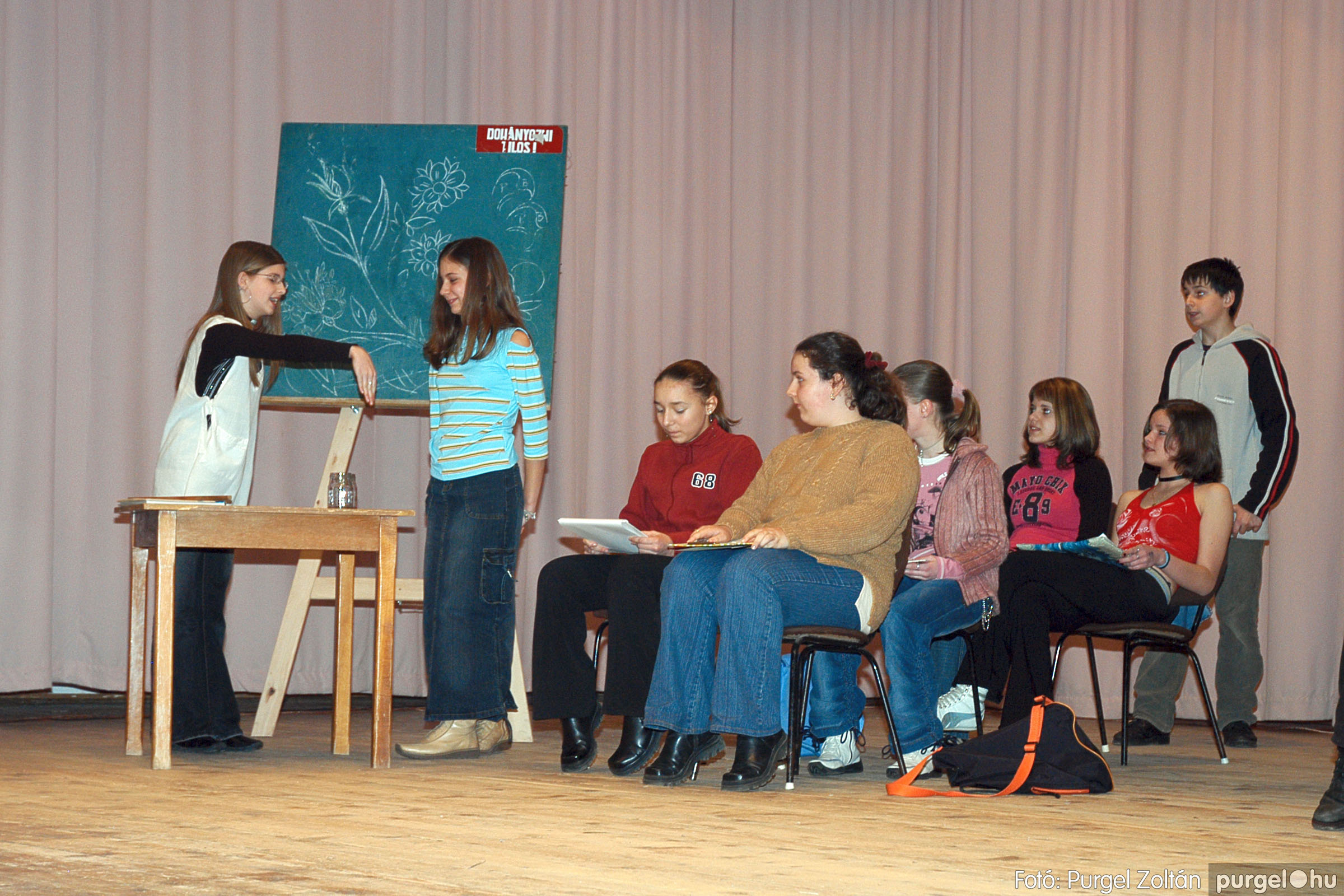 2005.02.11-12. 020 Forray Máté Általános Iskola farsang 2005.  - Fotó:PURGEL ZOLTÁN© DSC_0021q.jpg