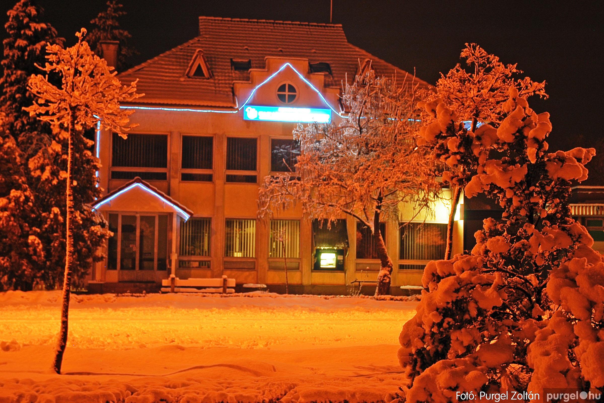 2005.02.16. 004 Hóesés utáni séta Szegváron - Fotó:PURGEL ZOLTÁN© DSC_0118q.jpg