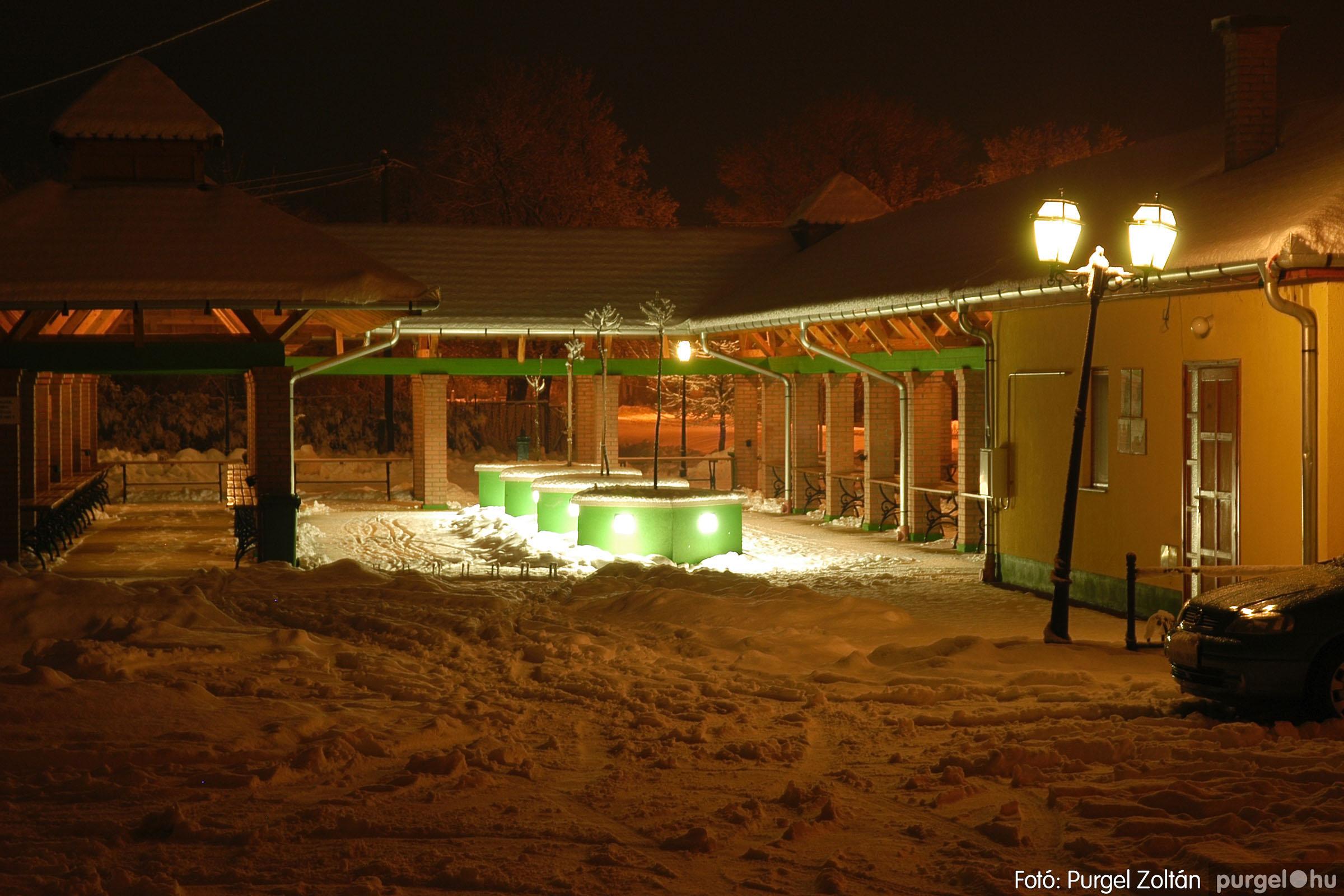 2005.02.16. 023 Hóesés utáni séta Szegváron - Fotó:PURGEL ZOLTÁN© DSC_0149q.jpg