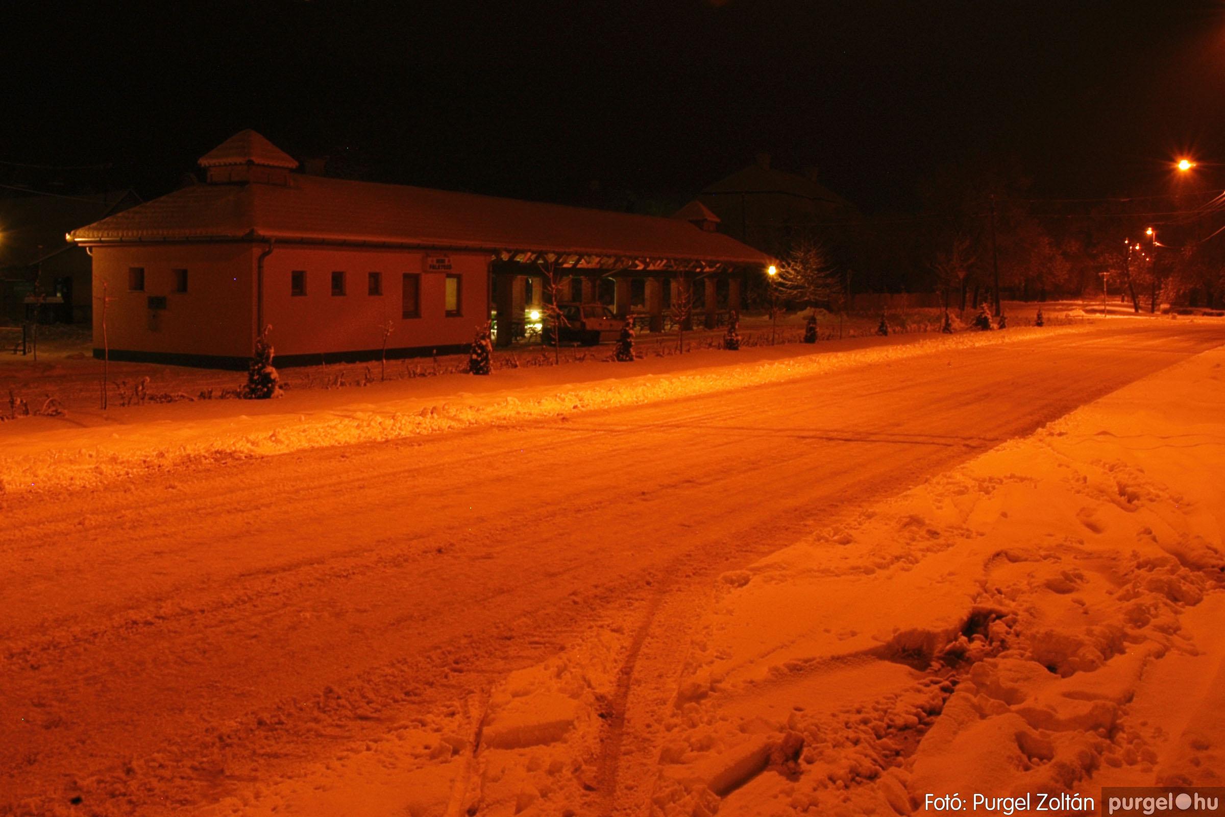 2005.02.16. 022 Hóesés utáni séta Szegváron - Fotó:PURGEL ZOLTÁN© DSC_0147q.jpg