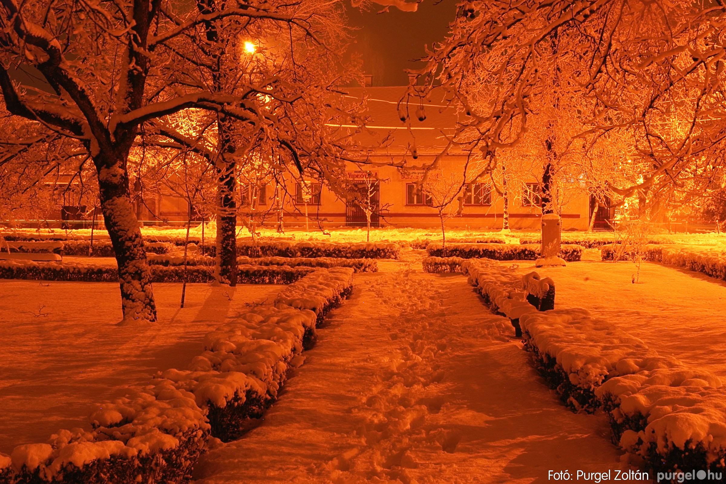 2005.02.16. 016 Hóesés utáni séta Szegváron - Fotó:PURGEL ZOLTÁN© DSC_0138q.jpg