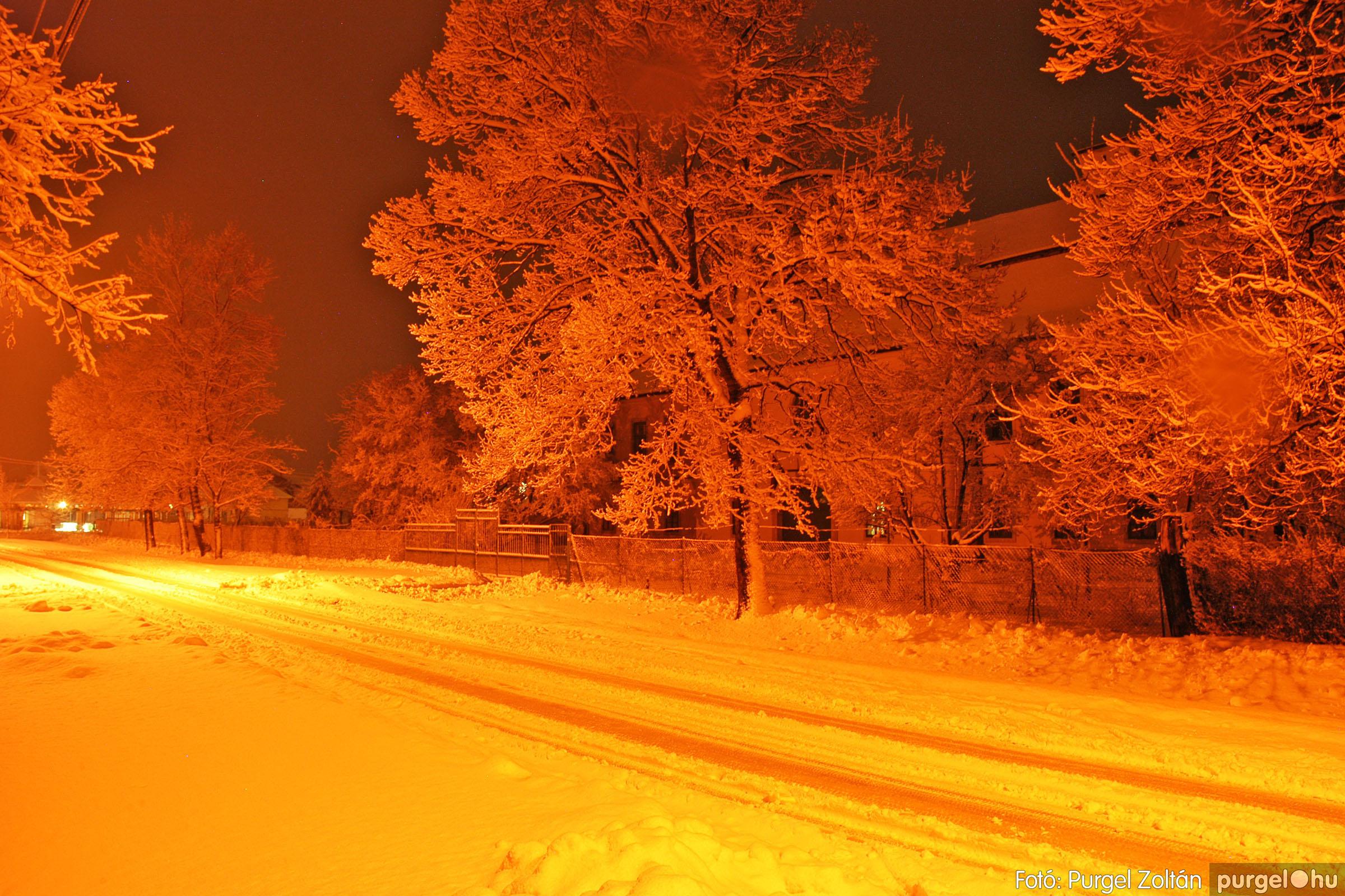 2005.02.16. 011 Hóesés utáni séta Szegváron - Fotó:PURGEL ZOLTÁN© DSC_0131q.jpg