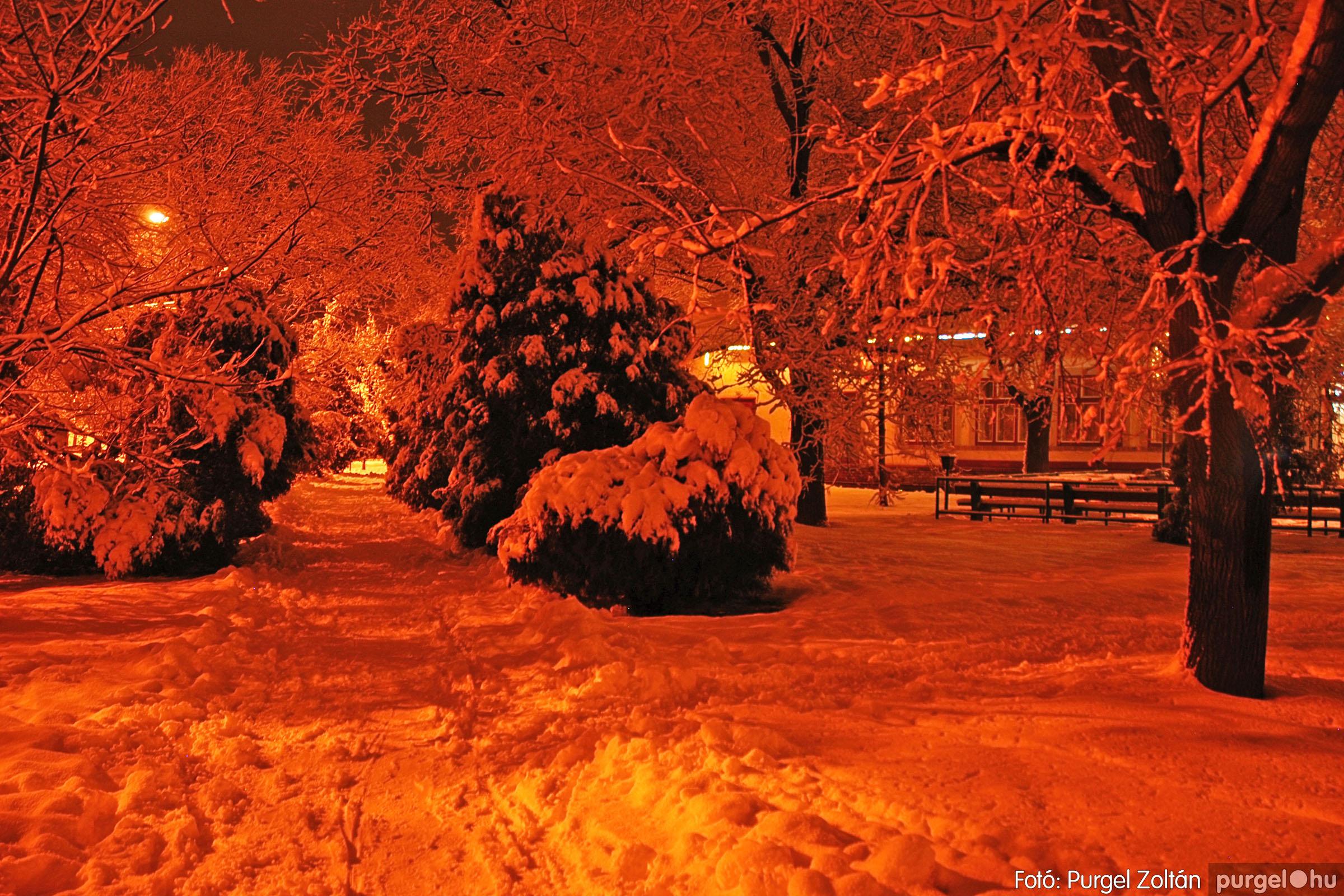 2005.02.16. 009 Hóesés utáni séta Szegváron - Fotó:PURGEL ZOLTÁN© DSC_0127q.jpg