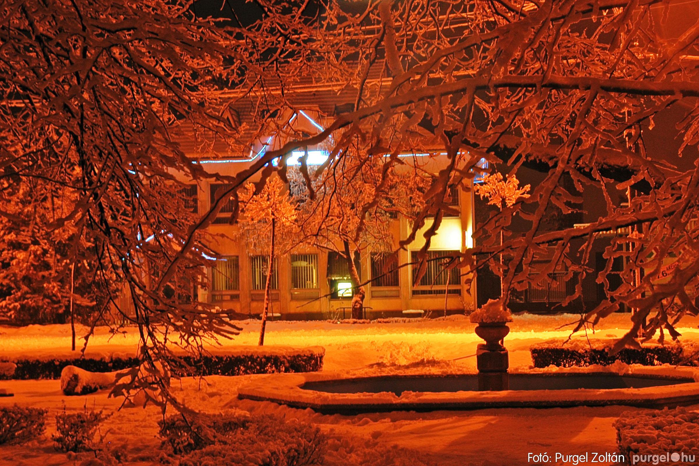2005.02.16. 006 Hóesés utáni séta Szegváron - Fotó:PURGEL ZOLTÁN© DSC_0121q.jpg