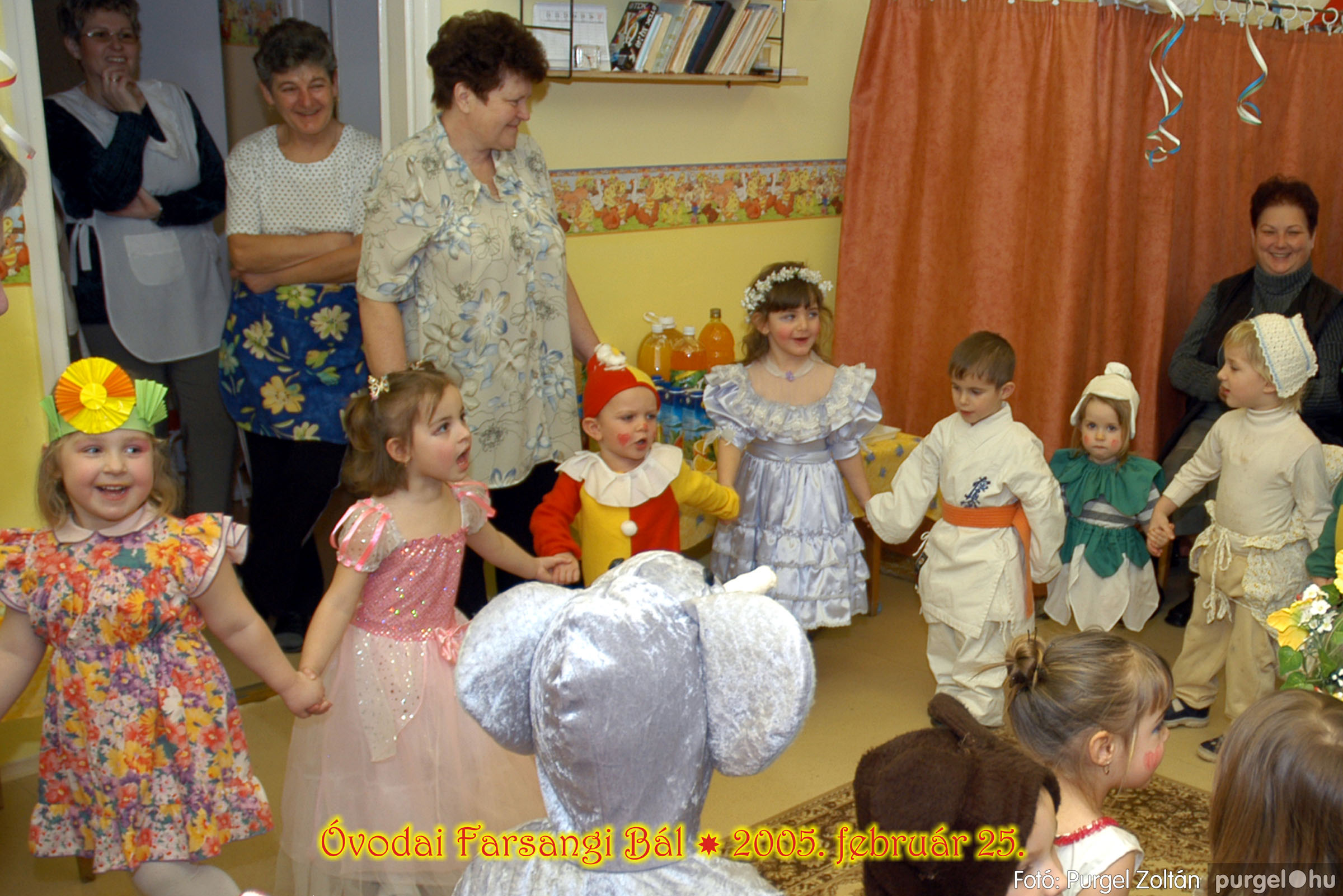 2005.02.25. 012 Kurca-parti Óvoda farsang 2005. Napsugár csoport - Fotó:PURGEL ZOLTÁN© 087.jpg