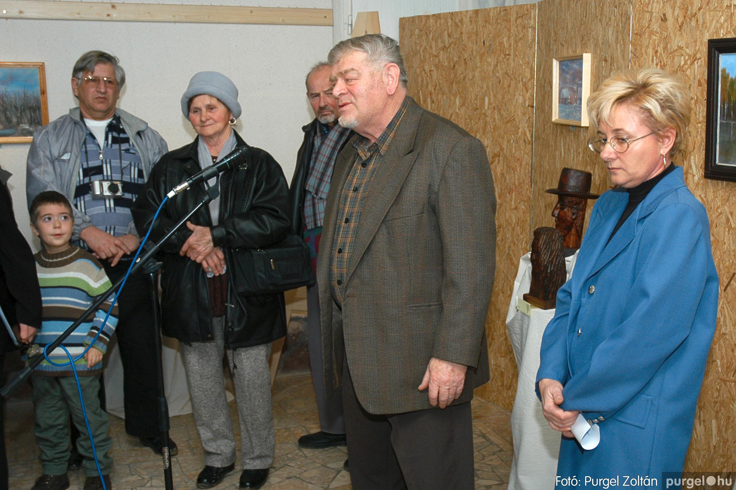 2005.01.22. 016 Tóth József fafaragó kiállítása - Fotó:PURGEL ZOLTÁN© DSC_0018q.jpg