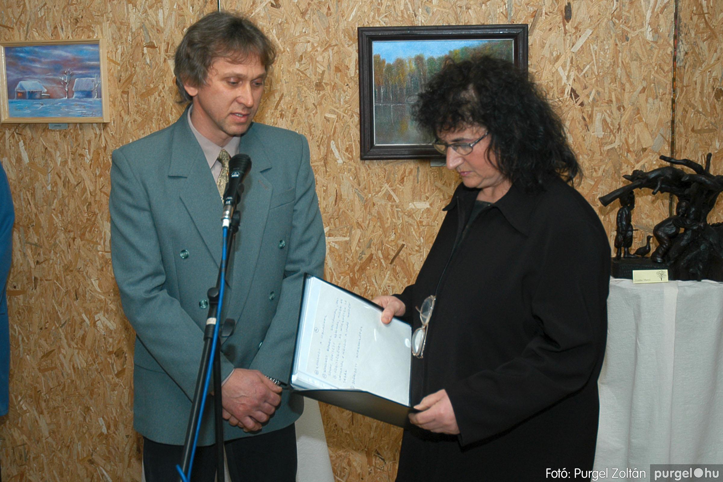2005.01.22. 011 Tóth József fafaragó kiállítása - Fotó:PURGEL ZOLTÁN© DSC_0011q.jpg