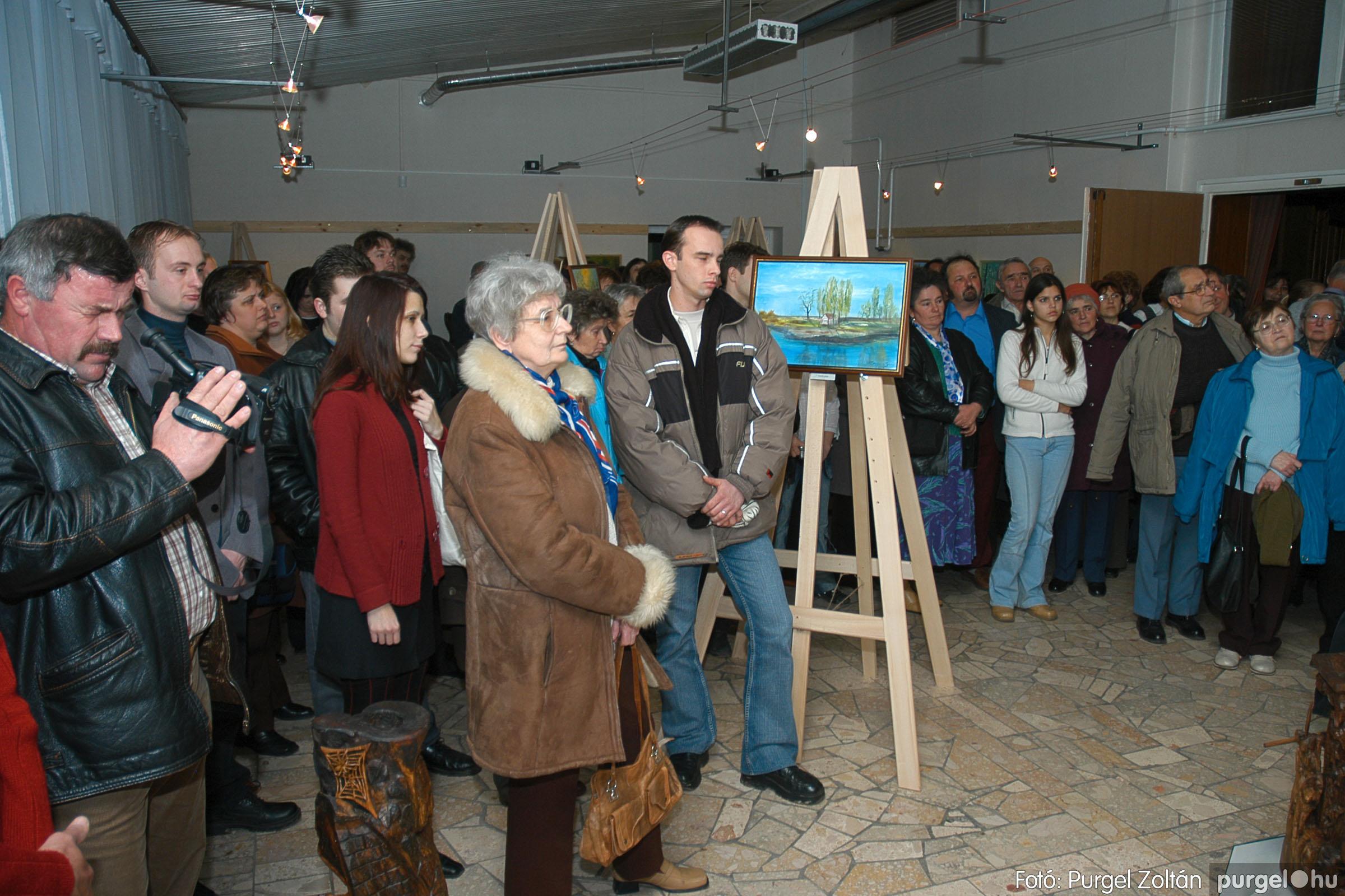 2005.01.22. 010 Tóth József fafaragó kiállítása - Fotó:PURGEL ZOLTÁN© DSC_0010q.jpg