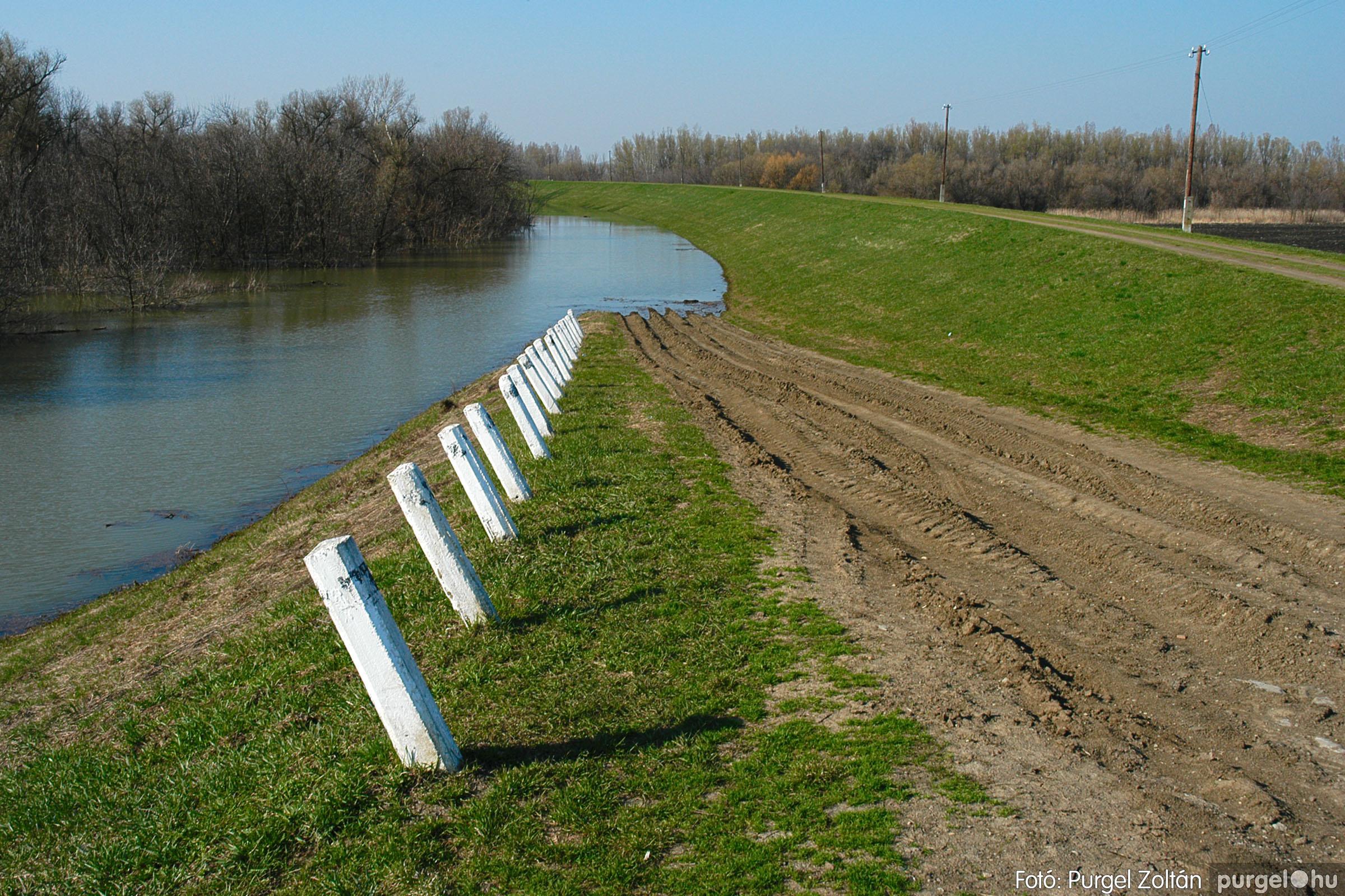 2005.04.02. 004 Tisza áradás - Fotó:PURGEL ZOLTÁN© DSC_0017q.jpg