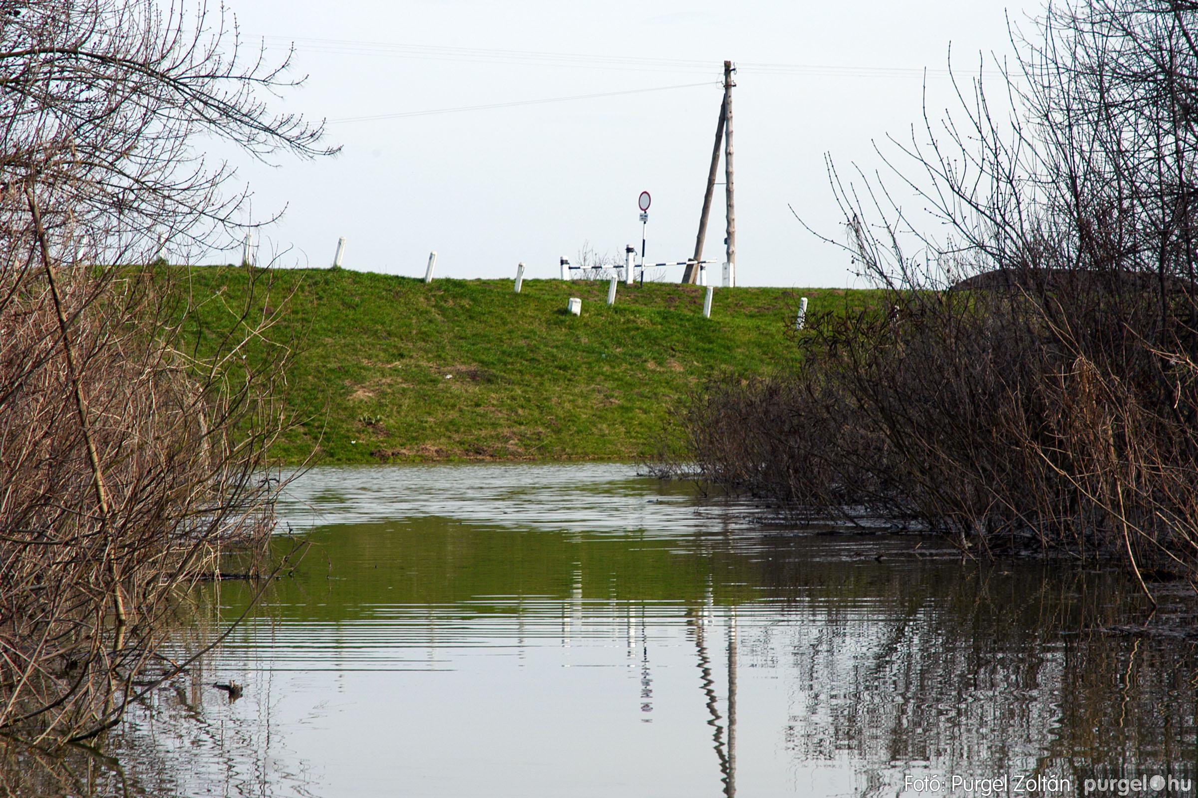 2005.04.08. 026 Csónakázás a Tisza árterében - Fotó:PURGEL ZOLTÁN© DSC_0062q.jpg