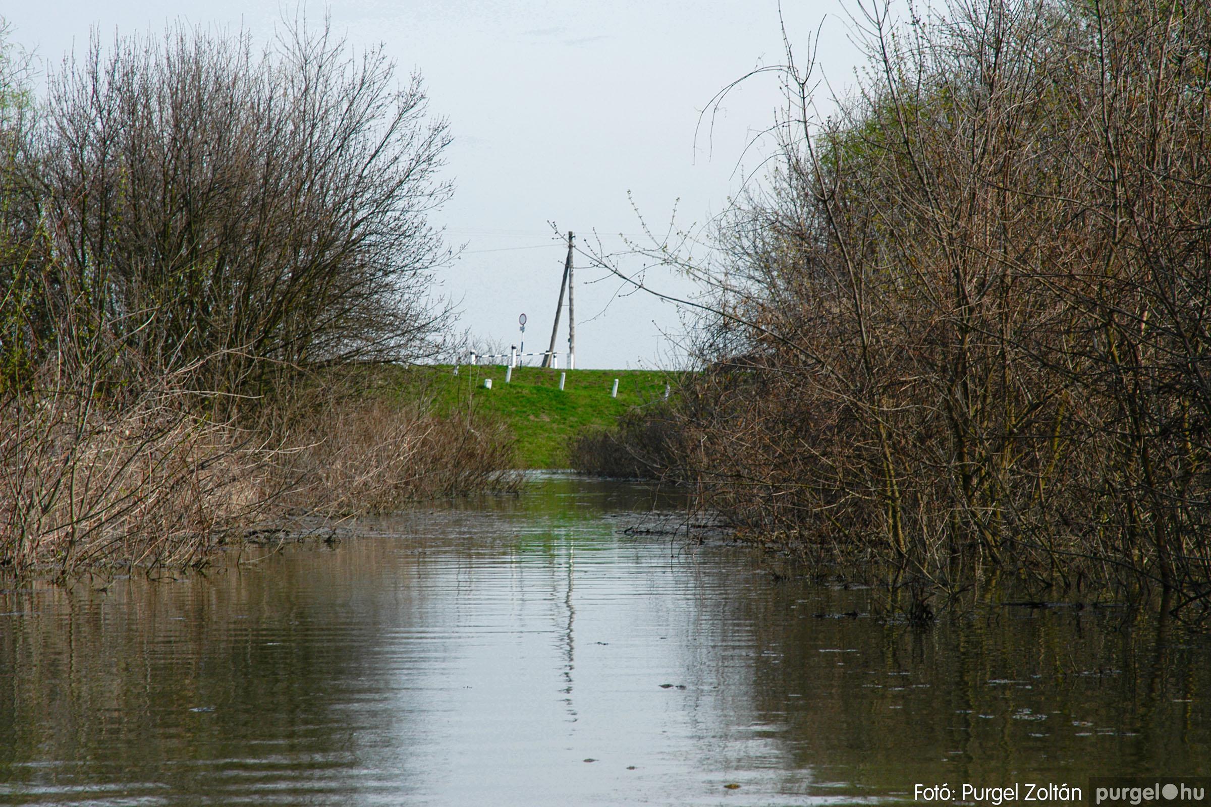 2005.04.08. 021 Csónakázás a Tisza árterében - Fotó:PURGEL ZOLTÁN© DSC_0055q.jpg