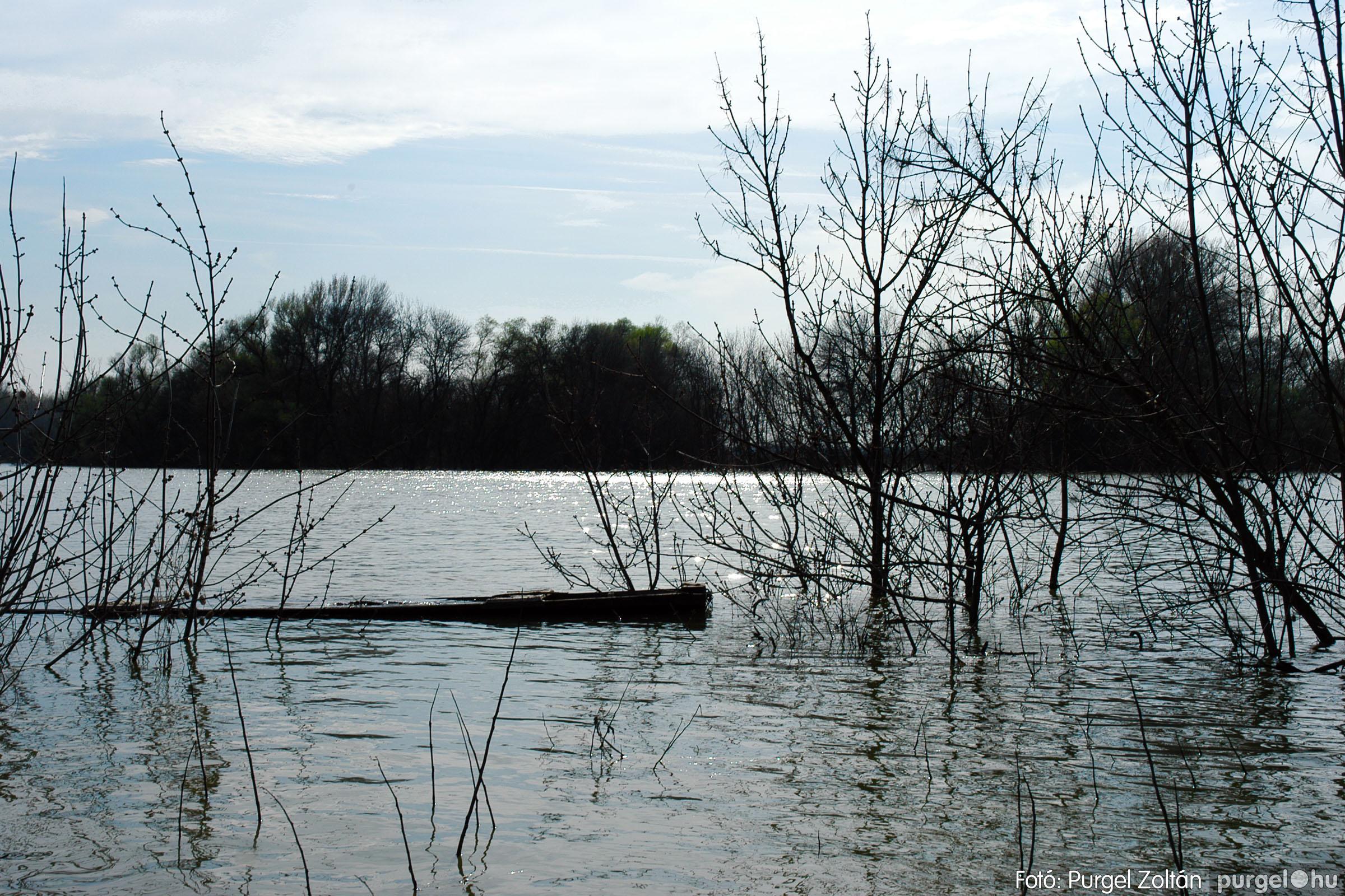2005.04.08. 016 Csónakázás a Tisza árterében - Fotó:PURGEL ZOLTÁN© DSC_0048q.jpg