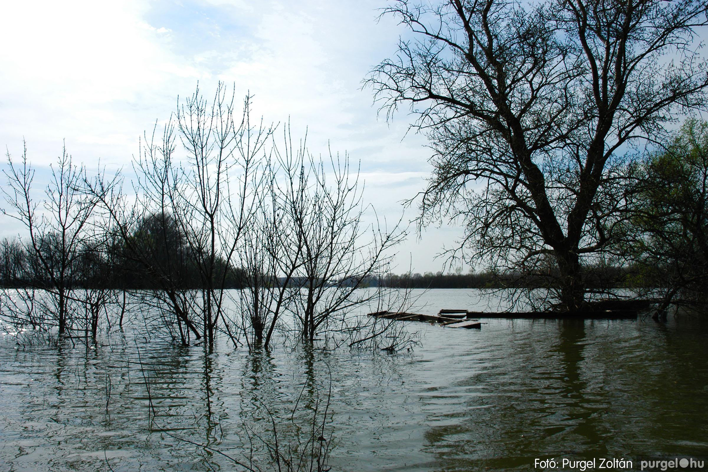 2005.04.08. 015 Csónakázás a Tisza árterében - Fotó:PURGEL ZOLTÁN© DSC_0047q.jpg