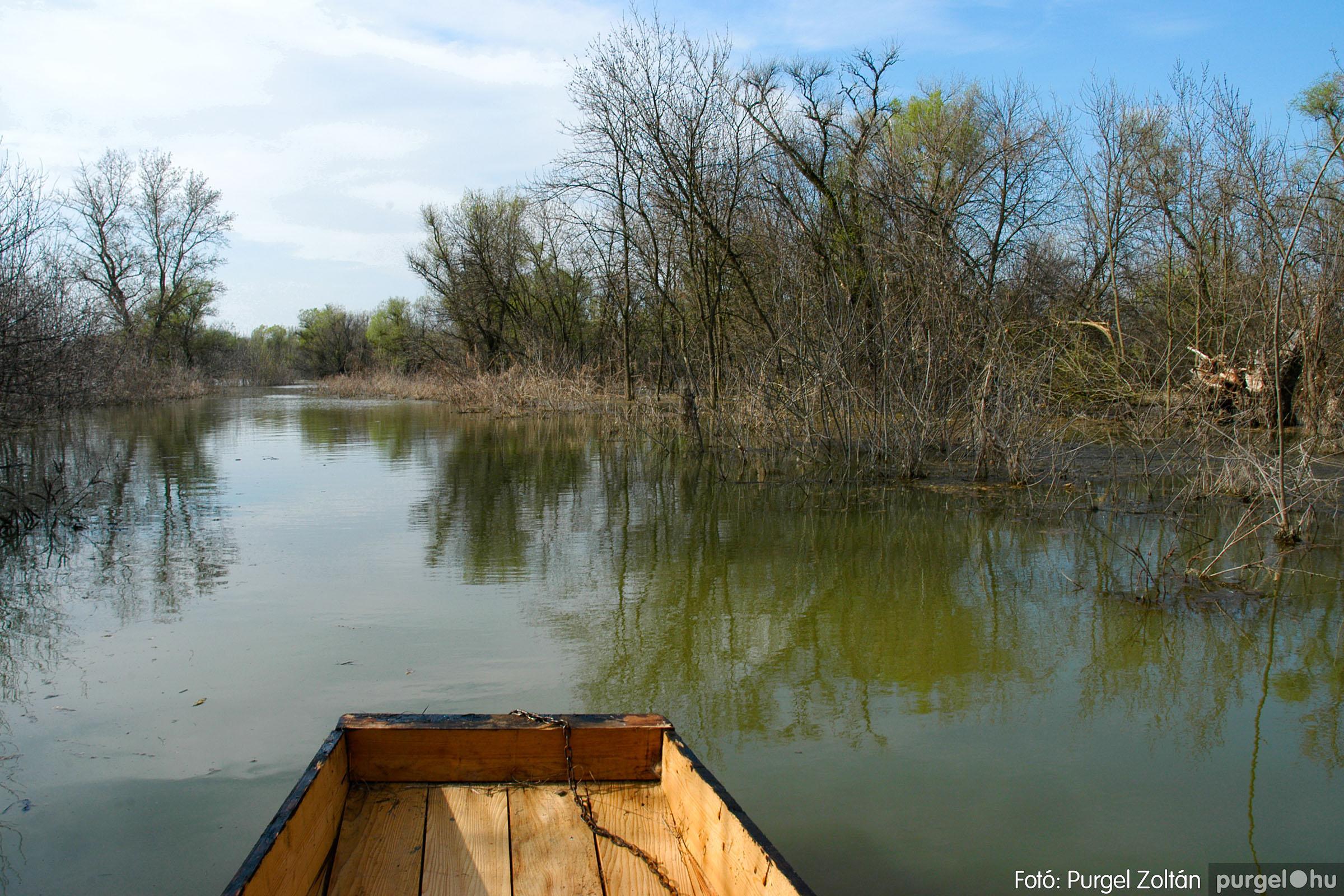 2005.04.08. 005 Csónakázás a Tisza árterében - Fotó:PURGEL ZOLTÁN© DSC_0036q.jpg