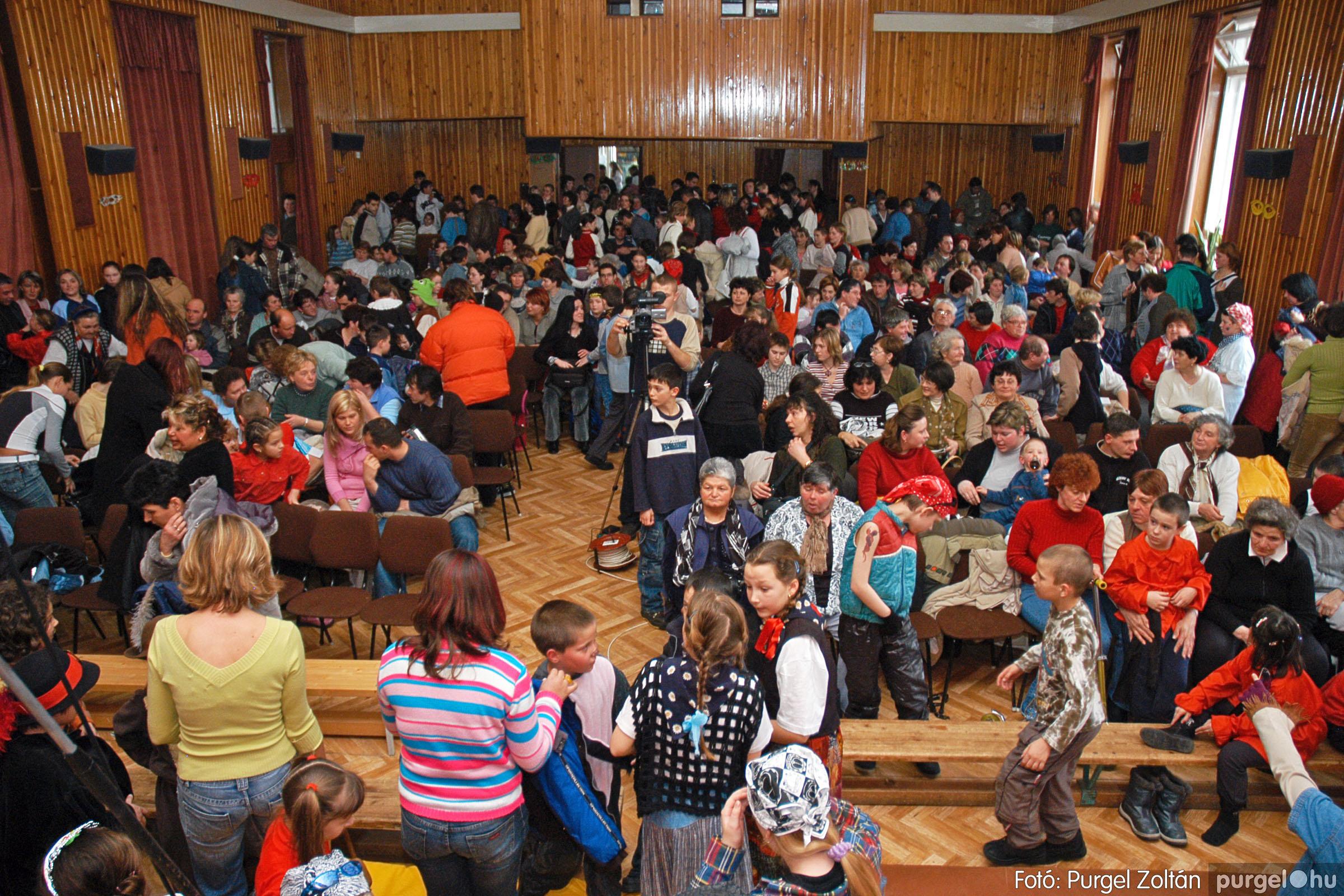 2005.02.11-12. 091 Forray Máté Általános Iskola farsang 2005.  - Fotó:PURGEL ZOLTÁN© DSC_0104q.jpg