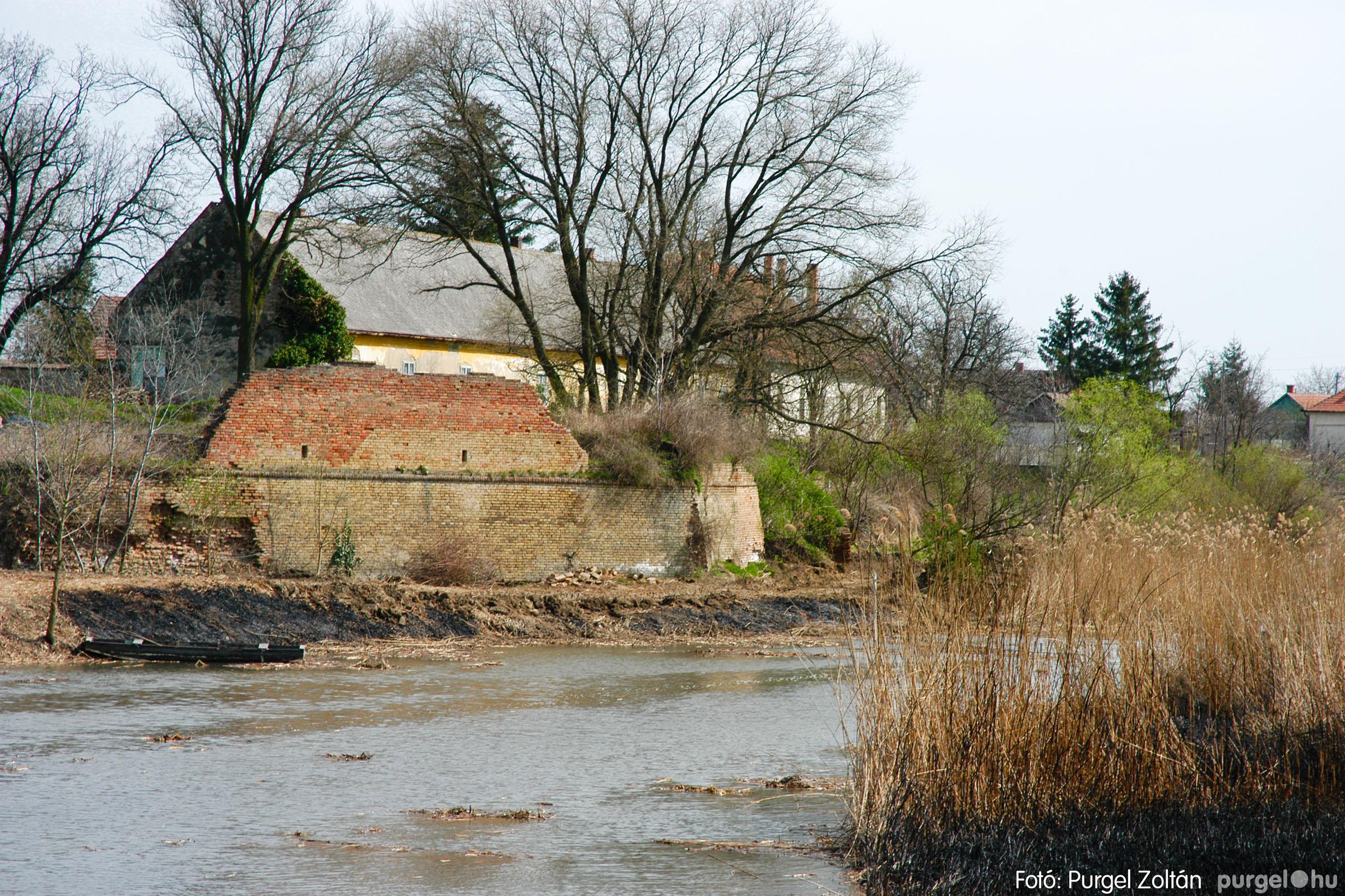 2005.04.08. 015 Tisztul a Kurca - Fotó:PURGEL ZOLTÁN© DSC_0019q.jpg