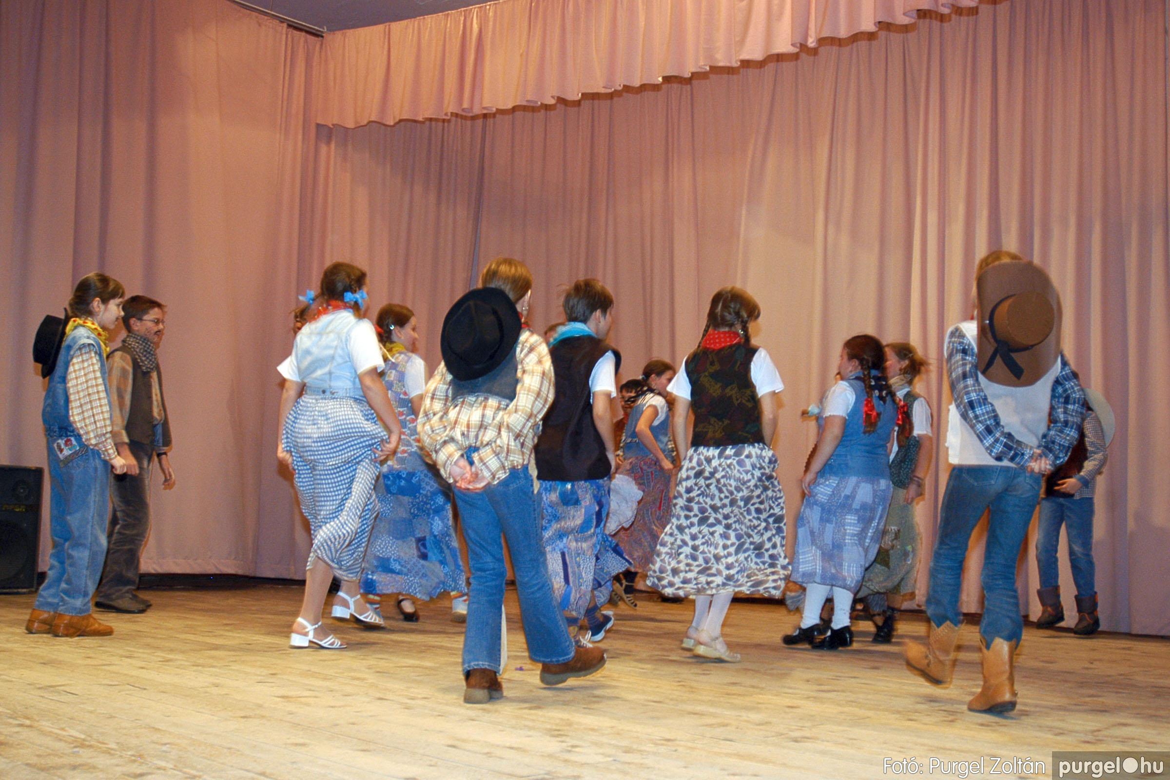 2005.02.11-12. 069 Forray Máté Általános Iskola farsang 2005.  - Fotó:PURGEL ZOLTÁN© DSC_0073q.jpg