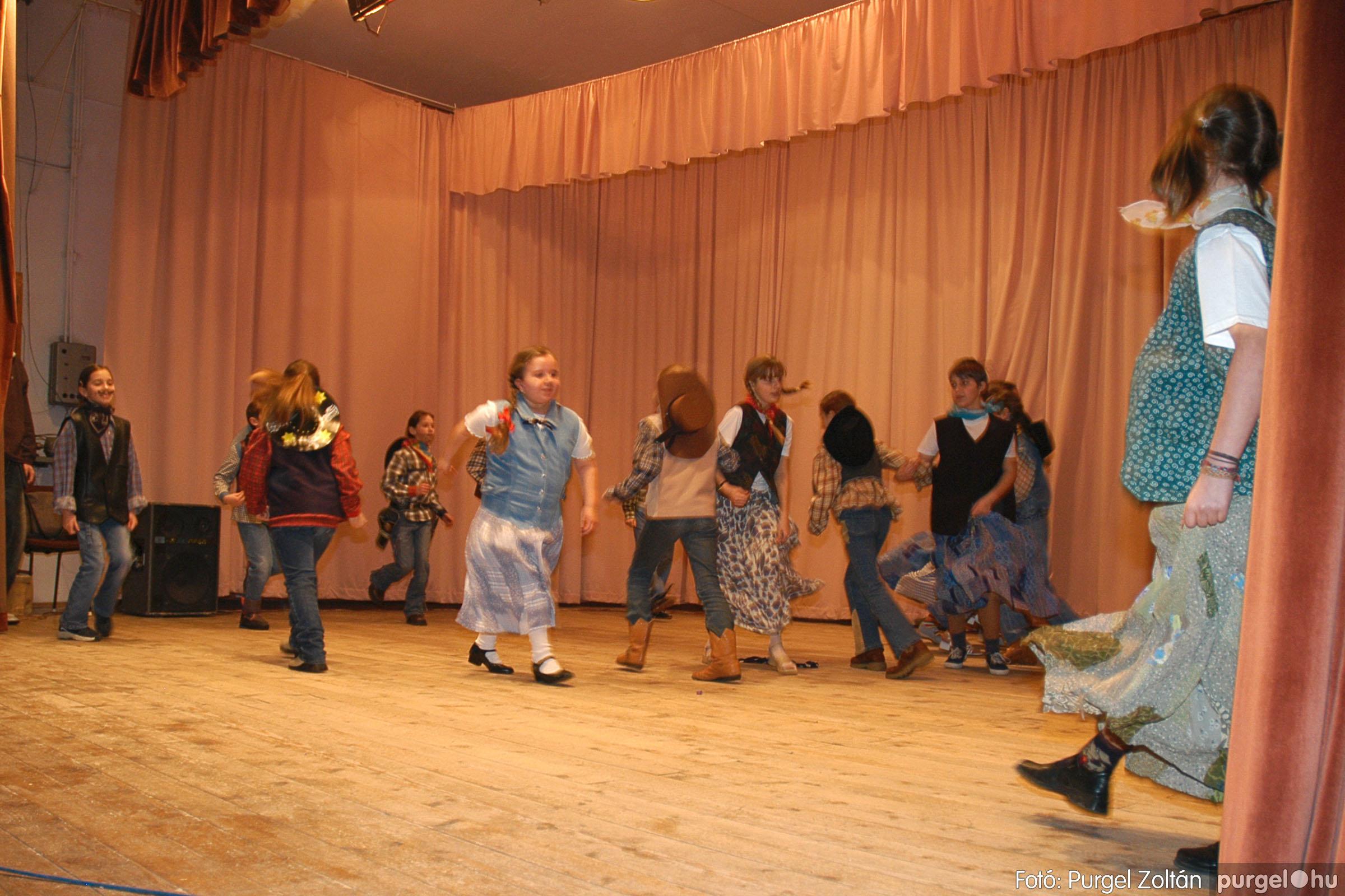 2005.02.11-12. 066 Forray Máté Általános Iskola farsang 2005.  - Fotó:PURGEL ZOLTÁN© DSC_0070q.jpg