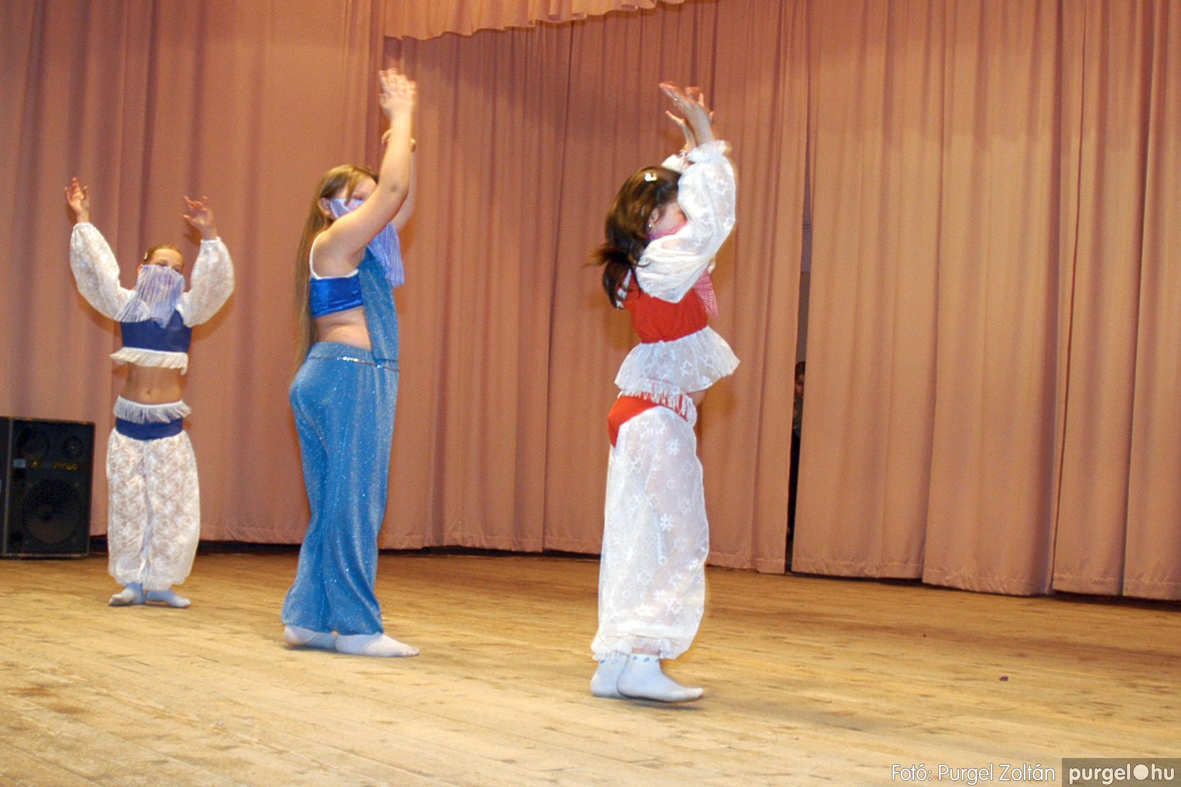 2005.02.11-12. 065 Forray Máté Általános Iskola farsang 2005.  - Fotó:PURGEL ZOLTÁN© DSC_0068q.jpg
