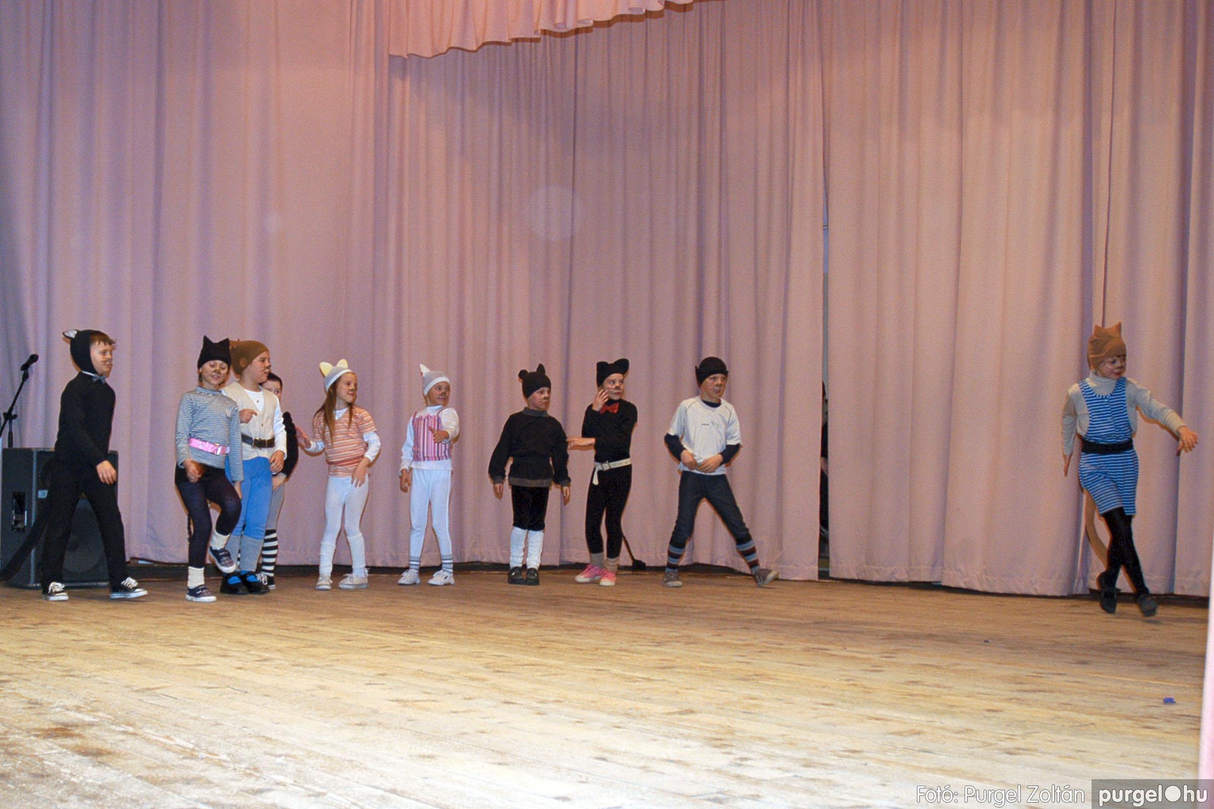 2005.02.11-12. 062 Forray Máté Általános Iskola farsang 2005.  - Fotó:PURGEL ZOLTÁN© DSC_0065q.jpg