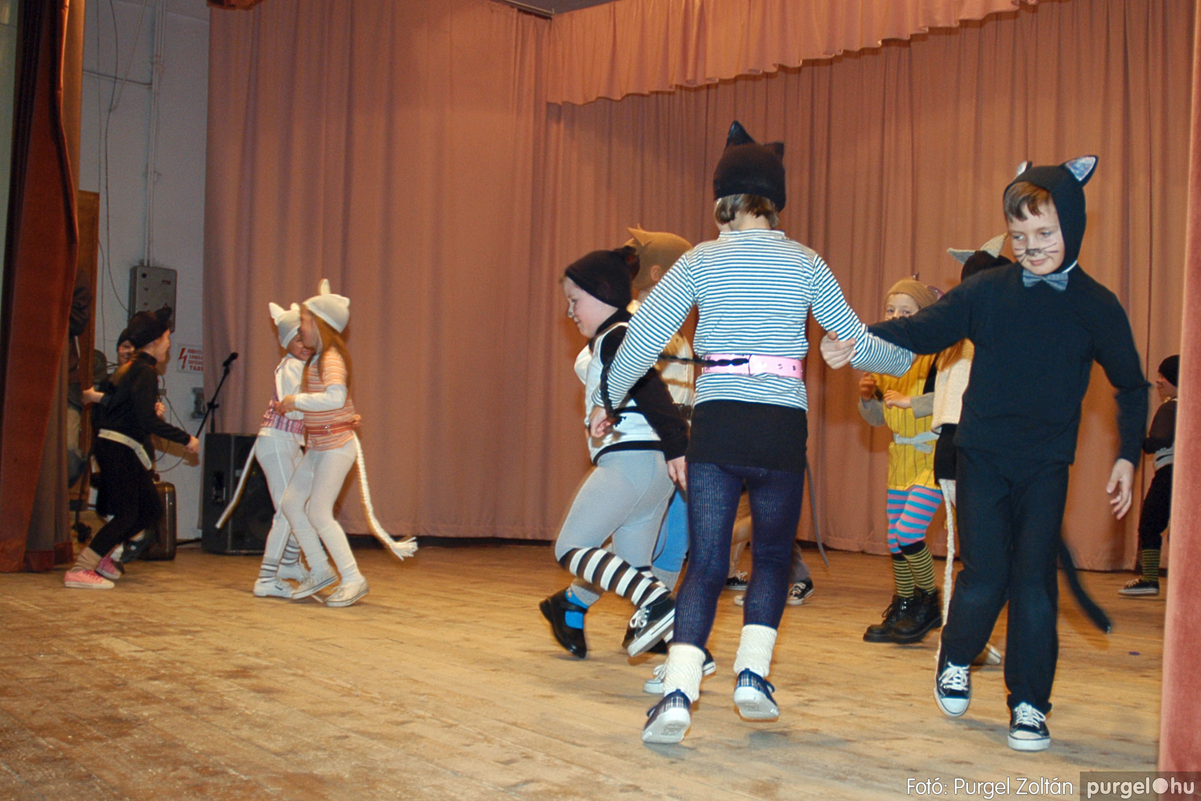 2005.02.11-12. 061 Forray Máté Általános Iskola farsang 2005.  - Fotó:PURGEL ZOLTÁN© DSC_0064q.jpg