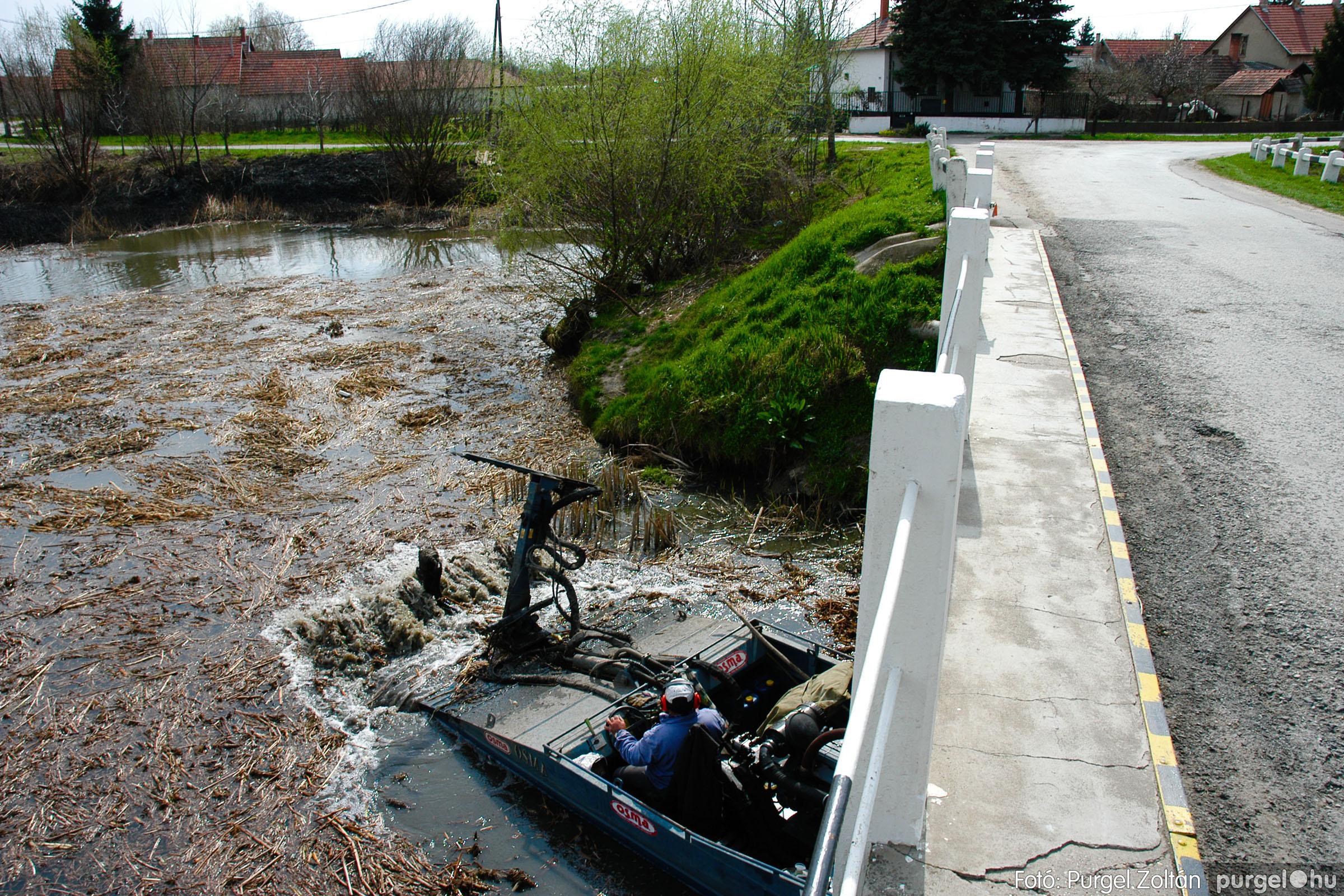2005.04.08. 007 Tisztul a Kurca - Fotó:PURGEL ZOLTÁN© DSC_0008q.jpg