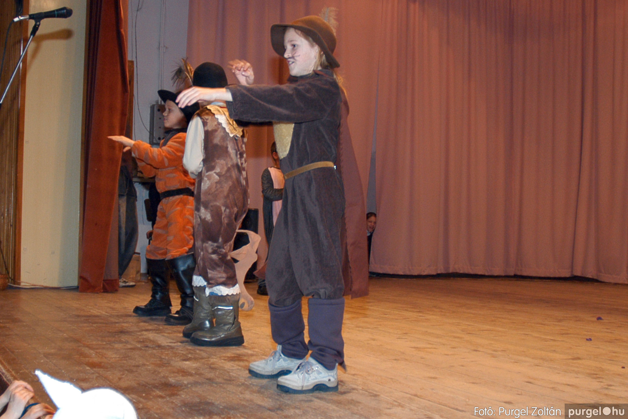 2005.02.11-12. 048 Forray Máté Általános Iskola farsang 2005.  - Fotó:PURGEL ZOLTÁN© DSC_0050q.jpg