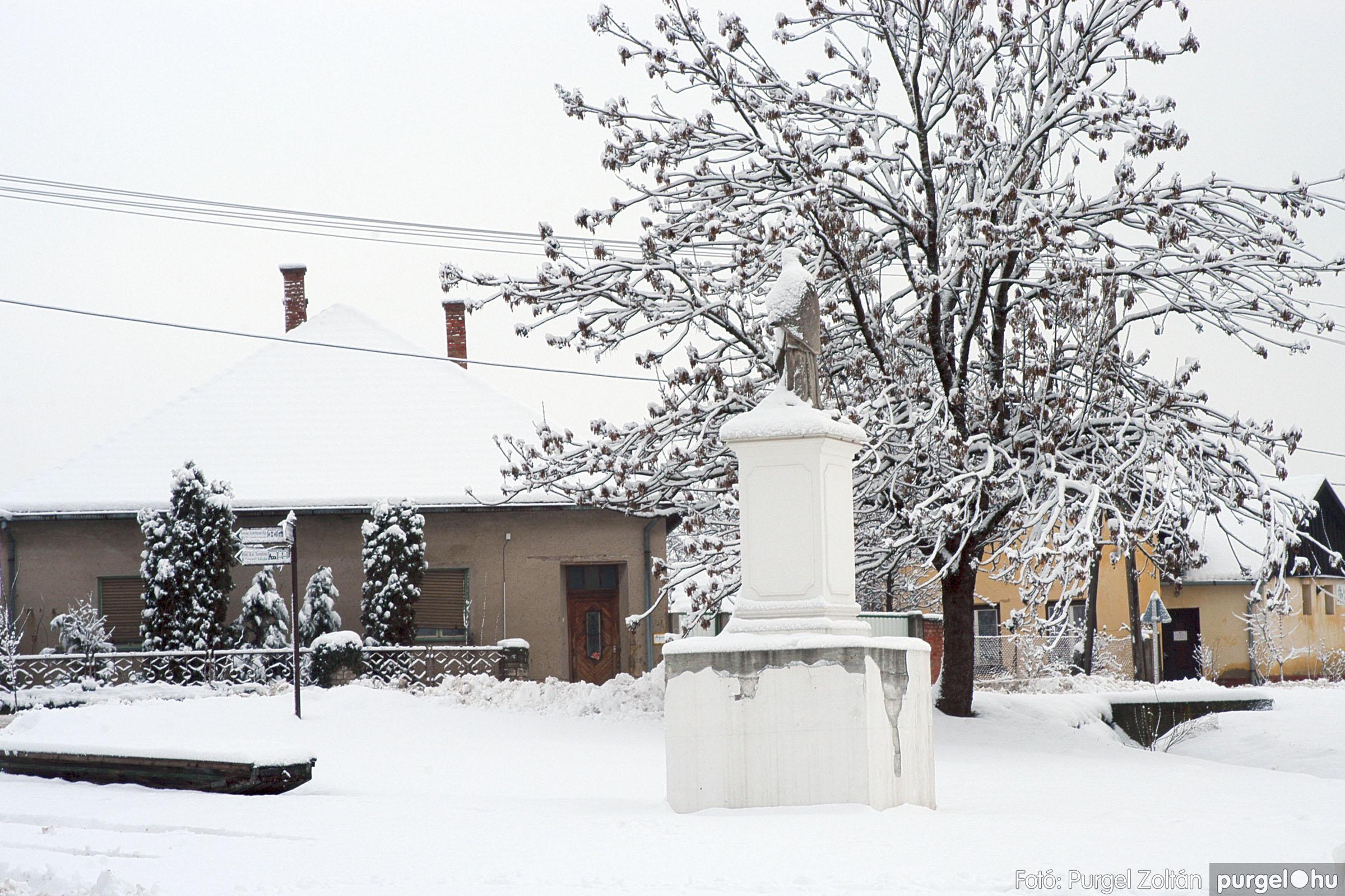 2005.02.16. 035 Hóesés utáni séta Szegváron - Fotó:PURGEL ZOLTÁN© DSC_0163q.jpg