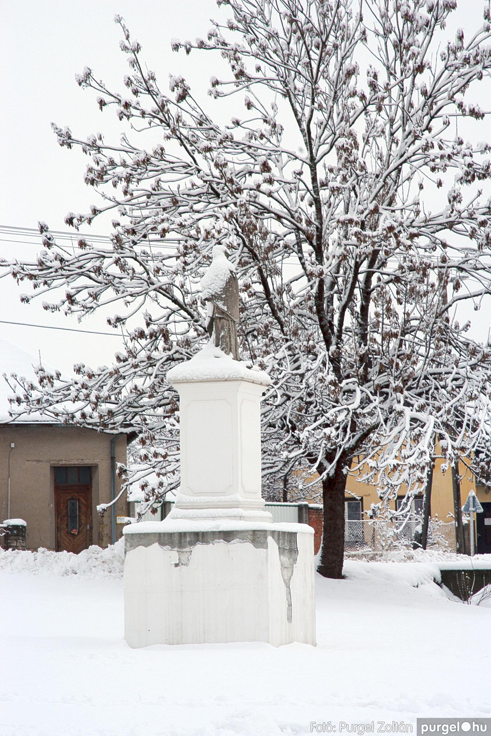 2005.02.16. 036 Hóesés utáni séta Szegváron - Fotó:PURGEL ZOLTÁN© DSC_0164q.jpg