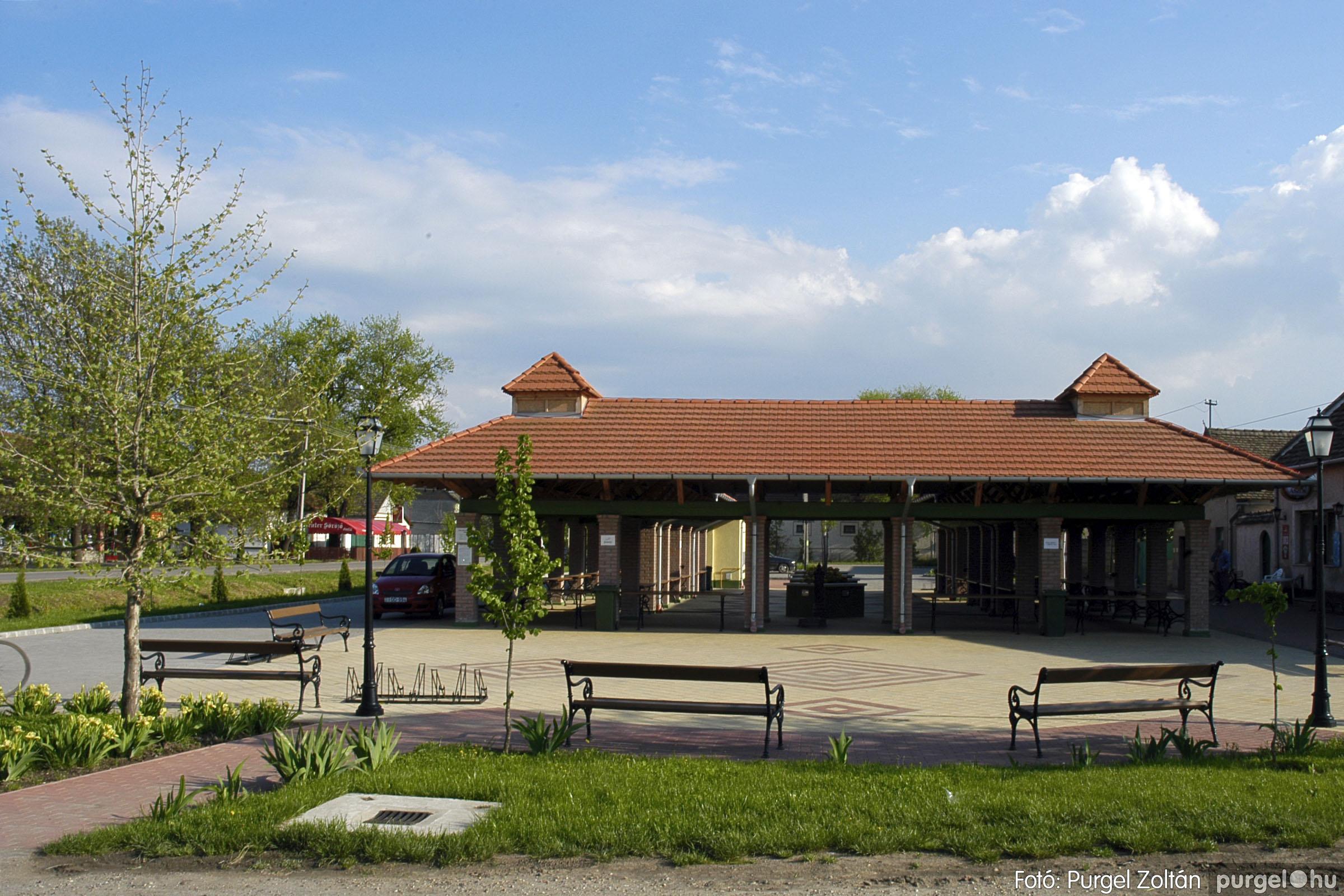 2005.04.28. 042 Tavaszi körkép: szélmalom, kastély, piactér, Kórógy-tó - Fotó:PURGEL ZOLTÁN© DSC_0090q.jpg
