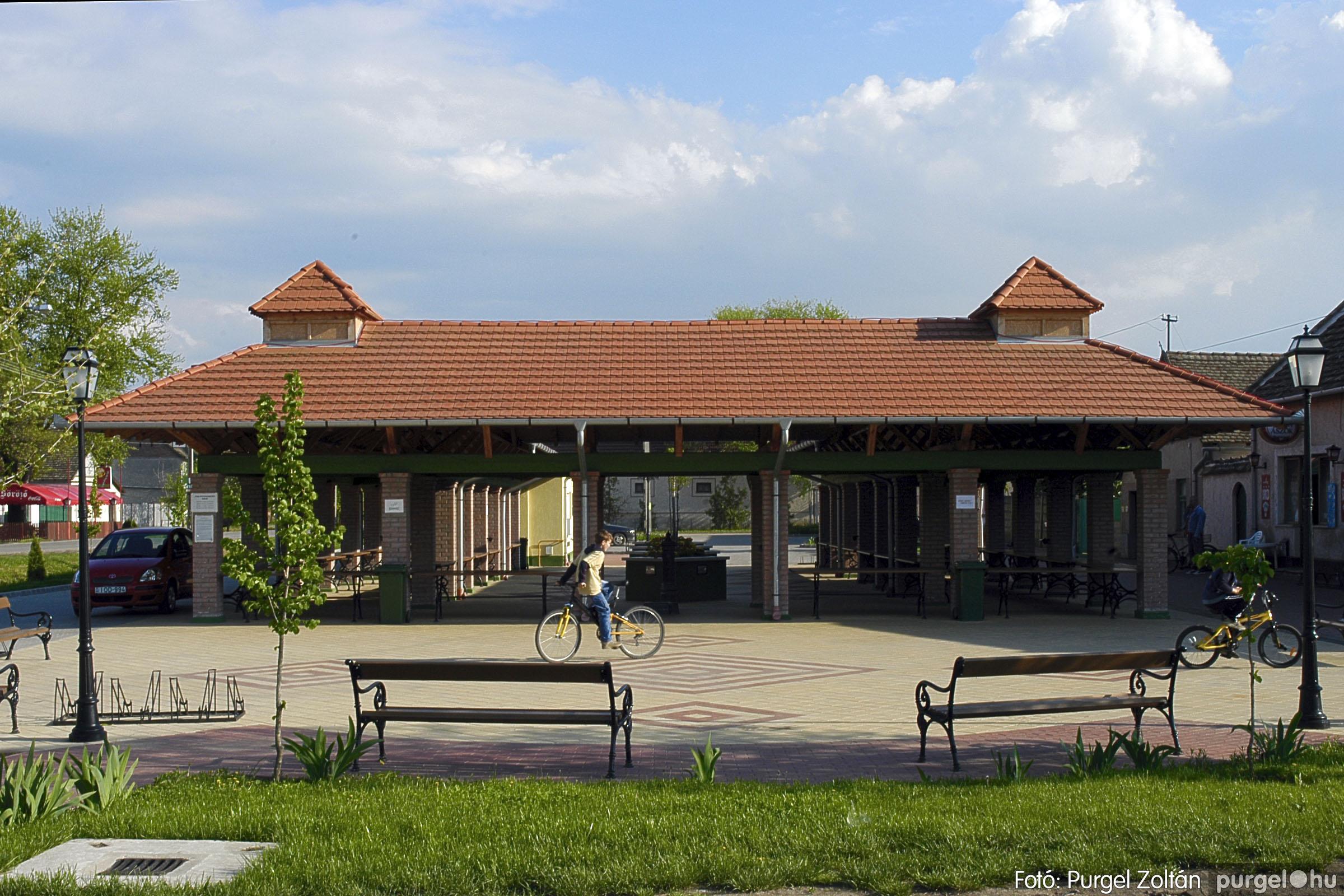 2005.04.28. 037 Tavaszi körkép: szélmalom, kastély, piactér, Kórógy-tó - Fotó:PURGEL ZOLTÁN© DSC_0084q.jpg