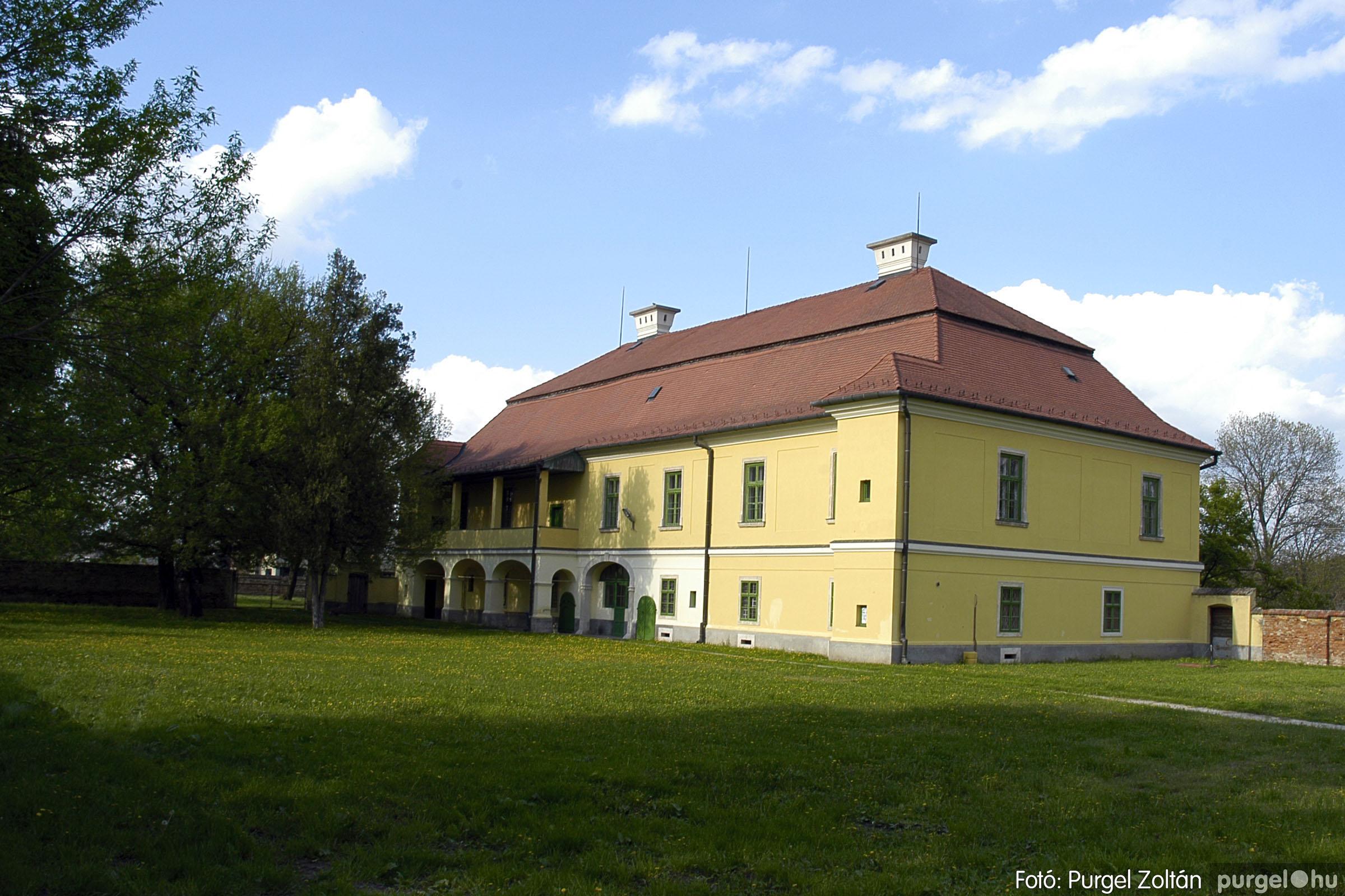 2005.04.28. 032 Tavaszi körkép: szélmalom, kastély, piactér, Kórógy-tó - Fotó:PURGEL ZOLTÁN© DSC_0075q.jpg