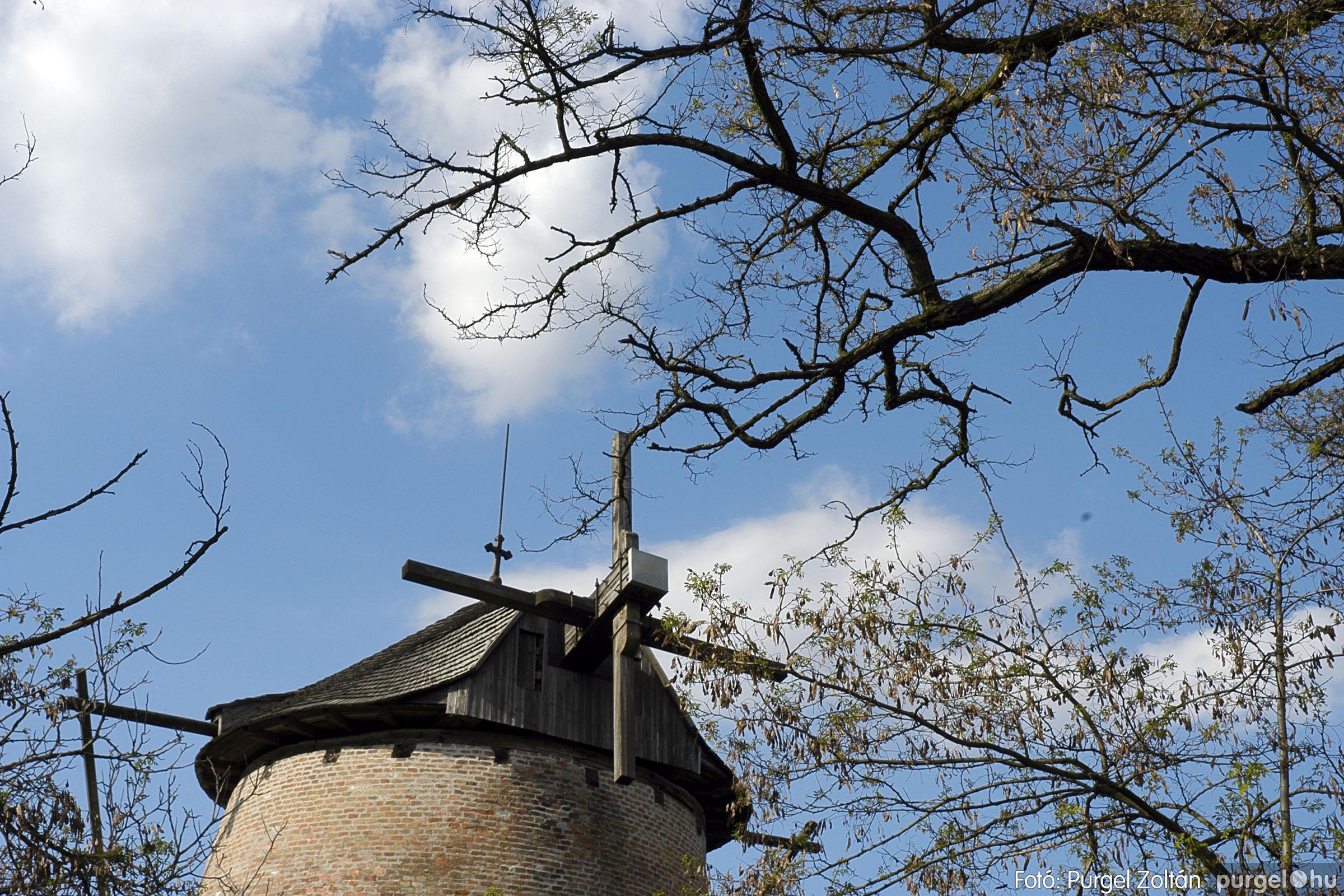 2005.04.28. 026 Tavaszi körkép: szélmalom, kastély, piactér, Kórógy-tó - Fotó:PURGEL ZOLTÁN© DSC_0068q.jpg