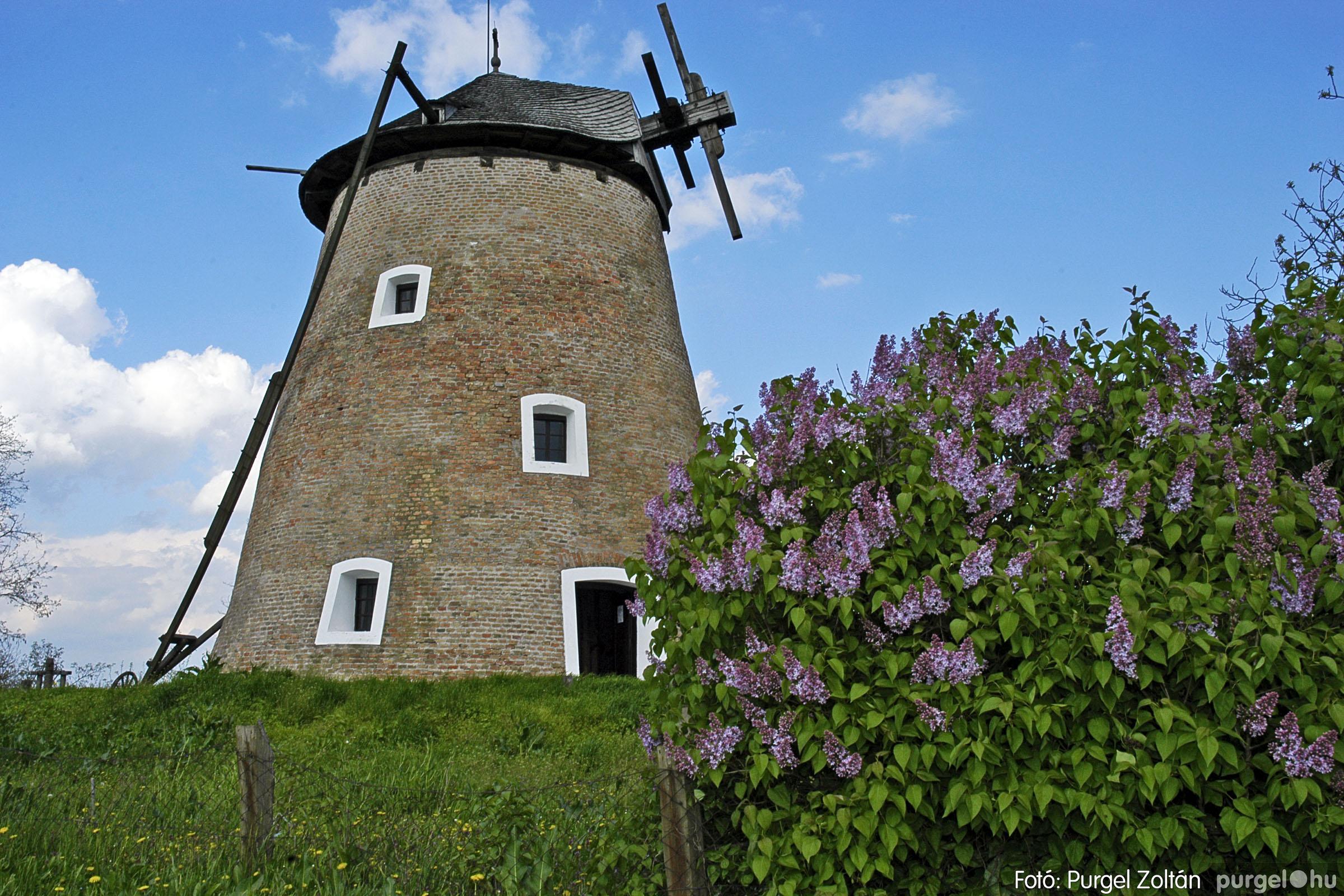 2005.04.28. 022 Tavaszi körkép: szélmalom, kastély, piactér, Kórógy-tó - Fotó:PURGEL ZOLTÁN© DSC_0062q.jpg
