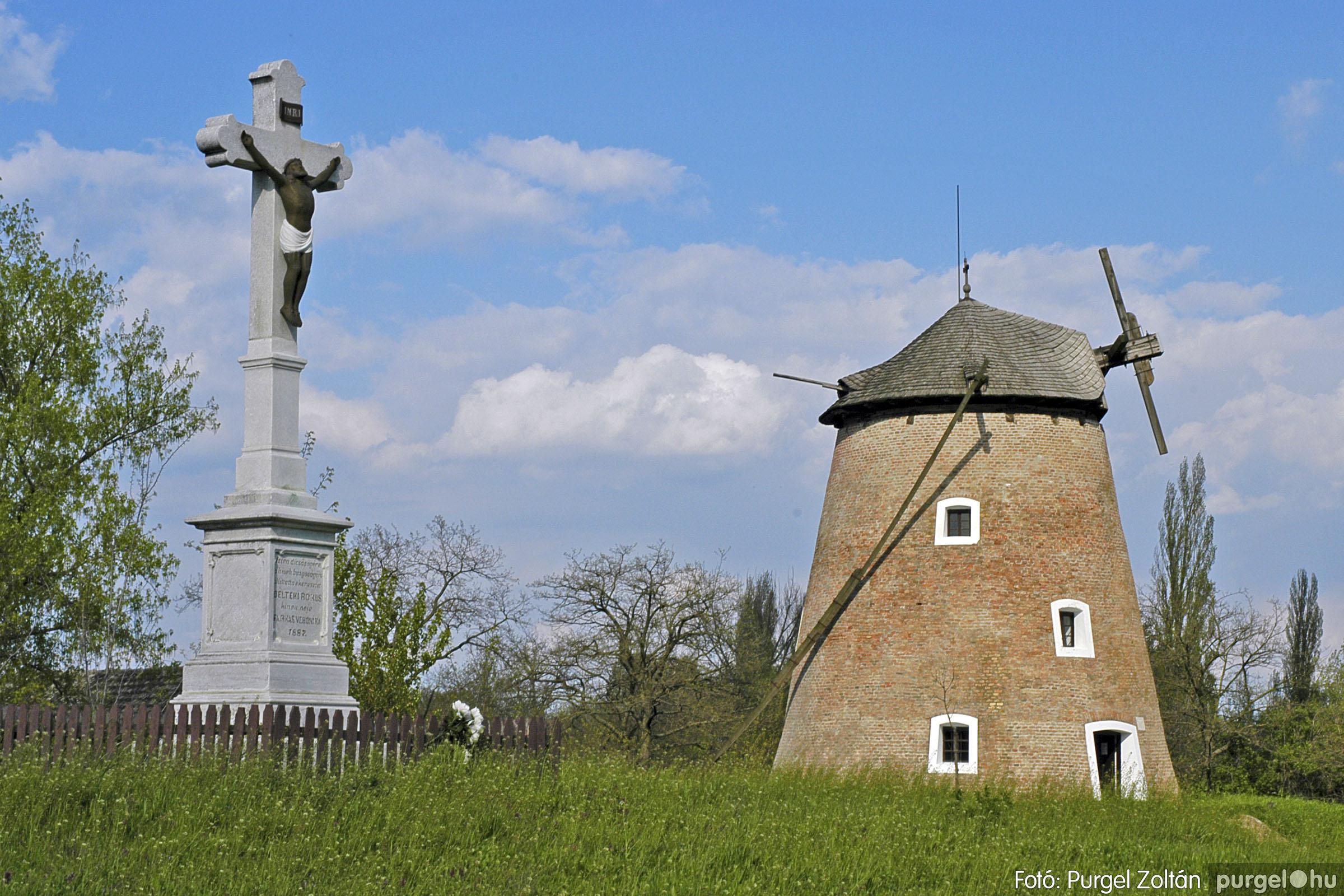 2005.04.28. 019 Tavaszi körkép: szélmalom, kastély, piactér, Kórógy-tó - Fotó:PURGEL ZOLTÁN© DSC_0057q.jpg