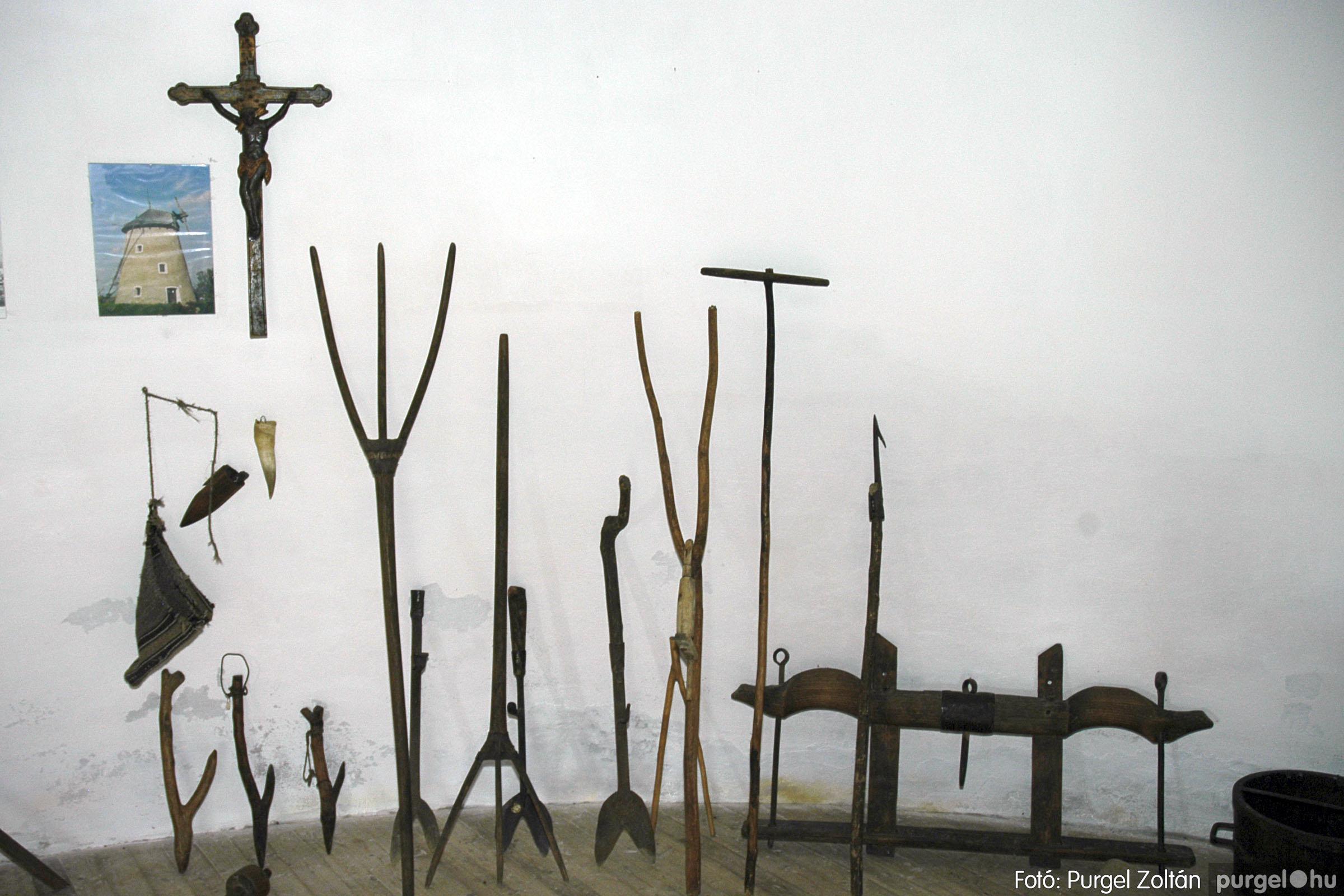 2005.04.28. 005 Tavaszi körkép: szélmalom, kastély, piactér, Kórógy-tó - Fotó:PURGEL ZOLTÁN© DSC_0039q.jpg