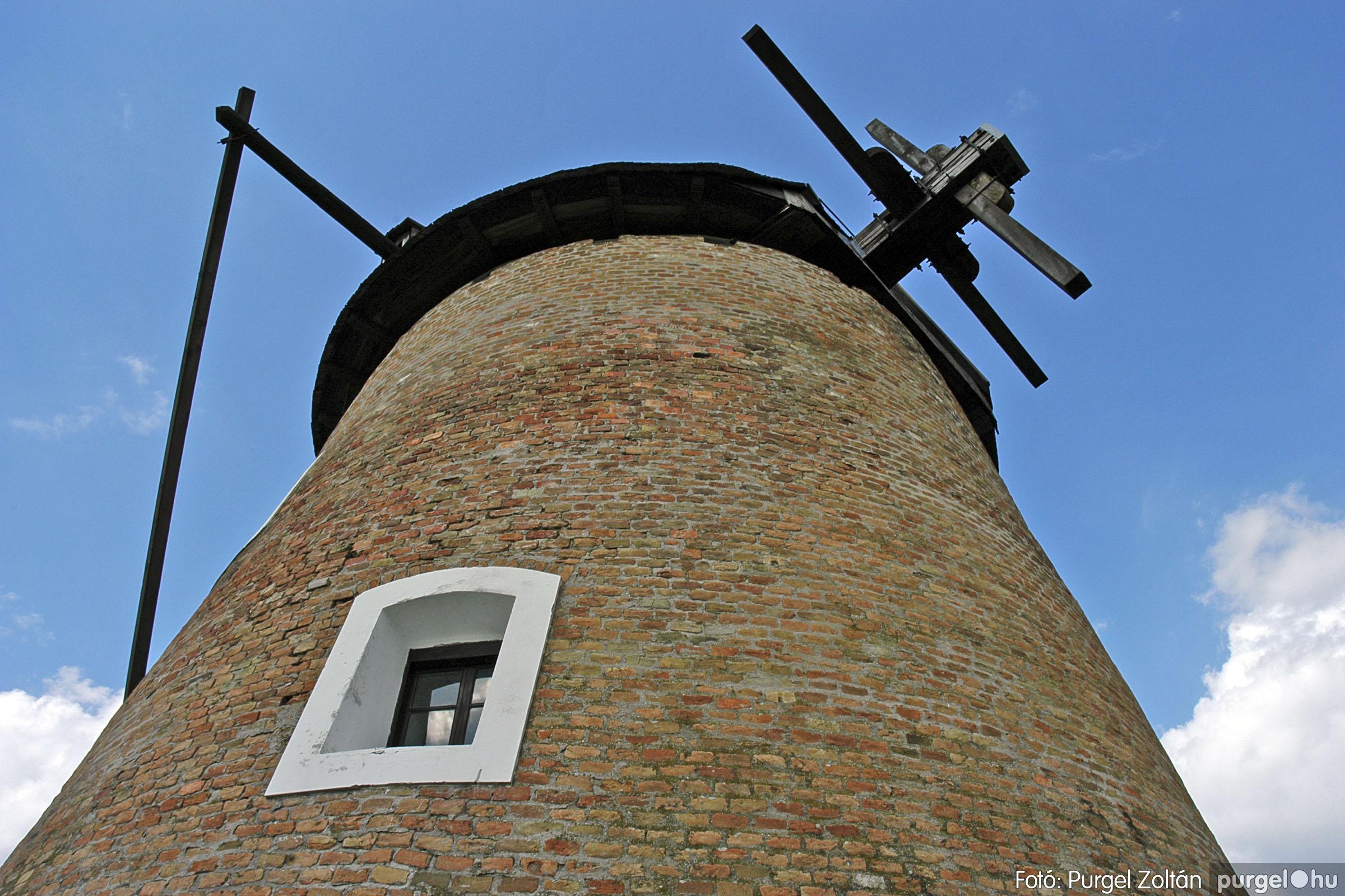 2005.04.28. 001 Tavaszi körkép: szélmalom, kastély, piactér, Kórógy-tó - Fotó:PURGEL ZOLTÁN© DSC_0032q.jpg