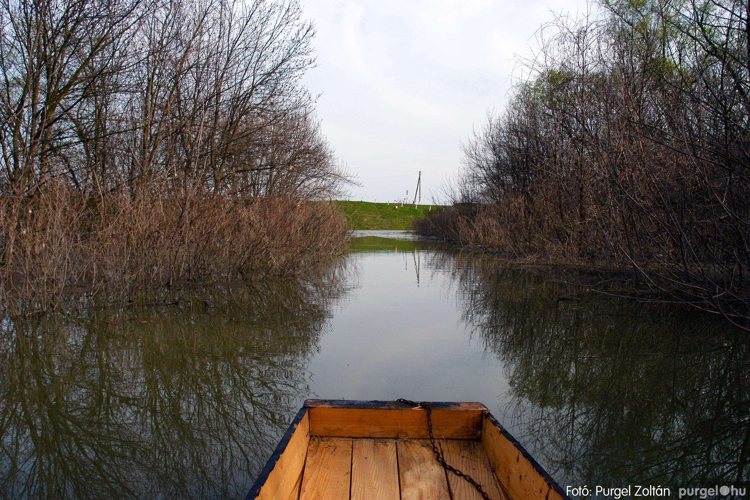 2005.04.08. 025 Csónakázás a Tisza árterében - Fotó:PURGEL ZOLTÁN© DSC_0061q.jpg