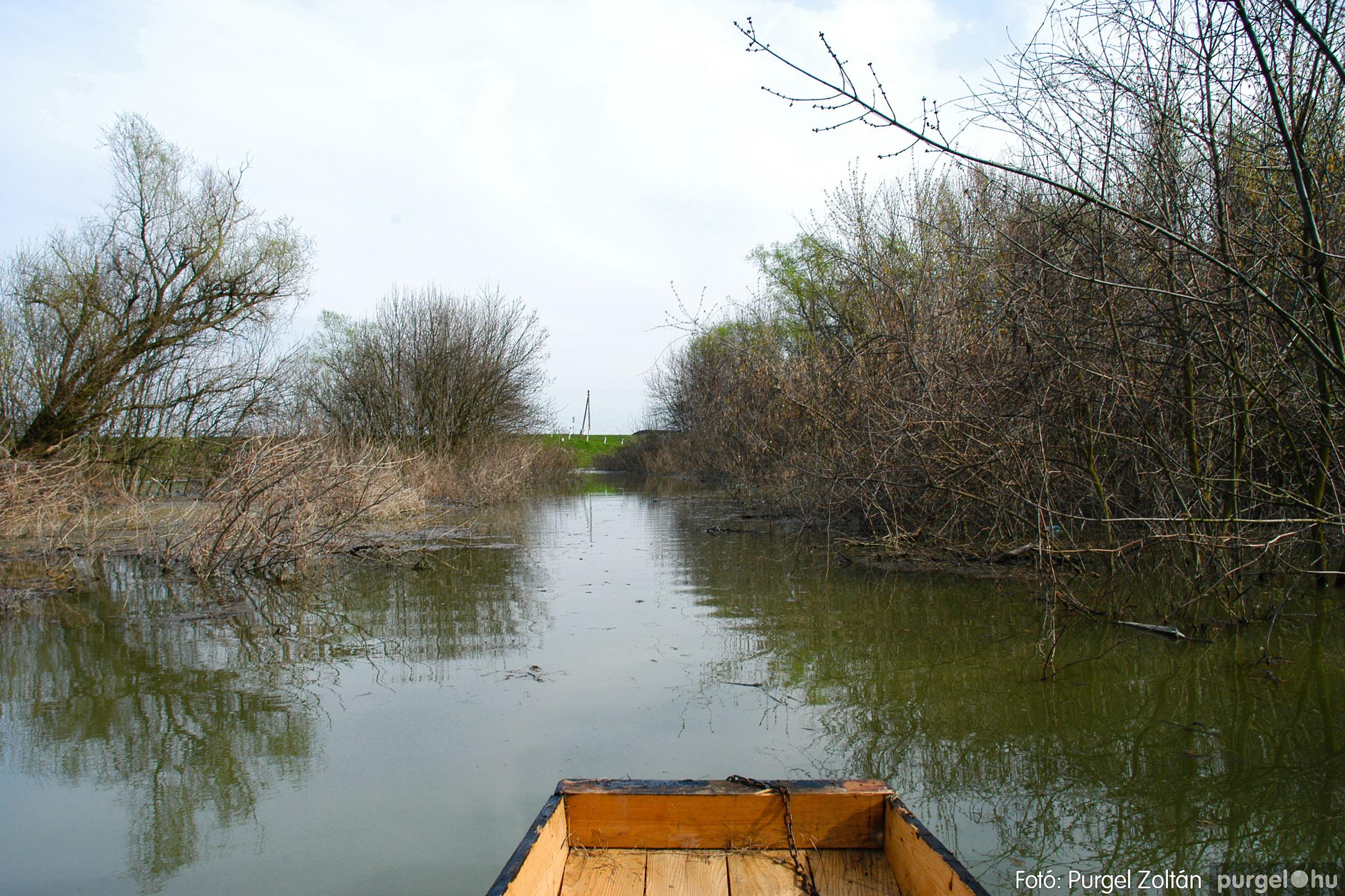 2005.04.08. 023 Csónakázás a Tisza árterében - Fotó:PURGEL ZOLTÁN© DSC_0058q.jpg