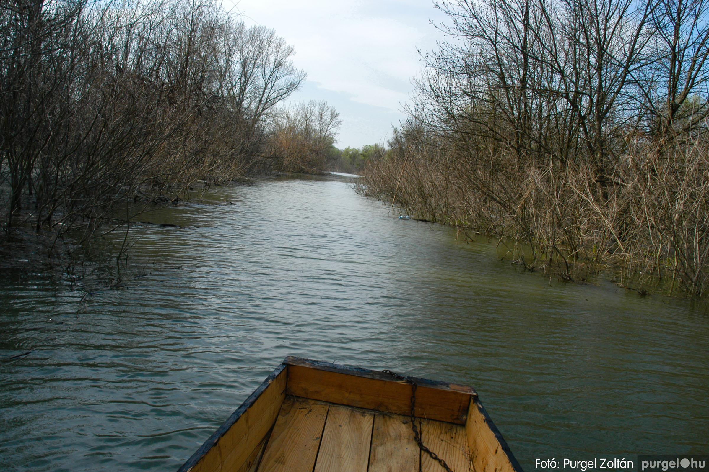 2005.04.08. 001 Csónakázás a Tisza árterében - Fotó:PURGEL ZOLTÁN© DSC_0031q.jpg