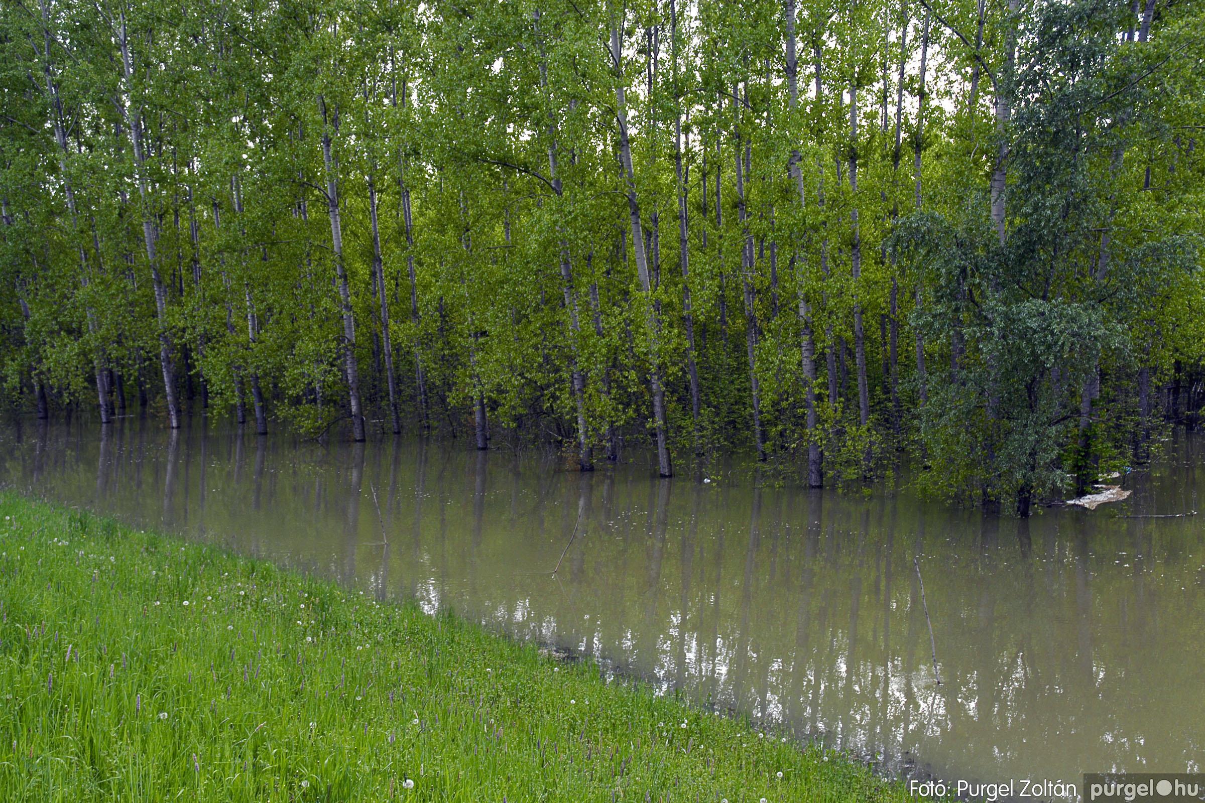 2005.05.03. 017 Árvízhelyzet Mindszenten - Fotó:PURGEL ZOLTÁN© DSC_0032q.jpg