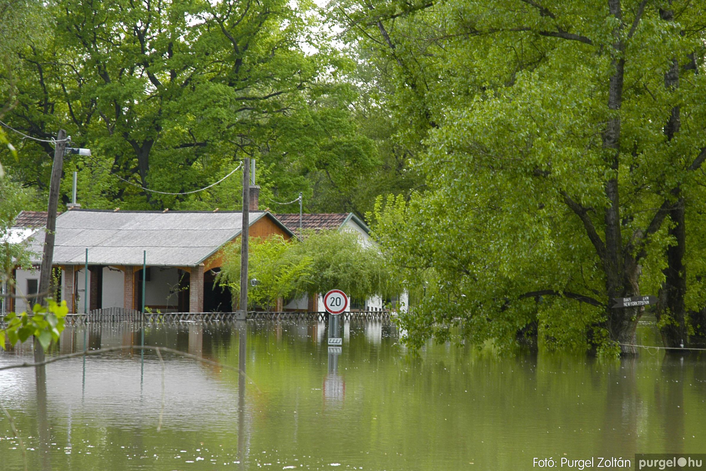 2005.05.03. 011 Árvízhelyzet Mindszenten - Fotó:PURGEL ZOLTÁN© DSC_0025q.jpg