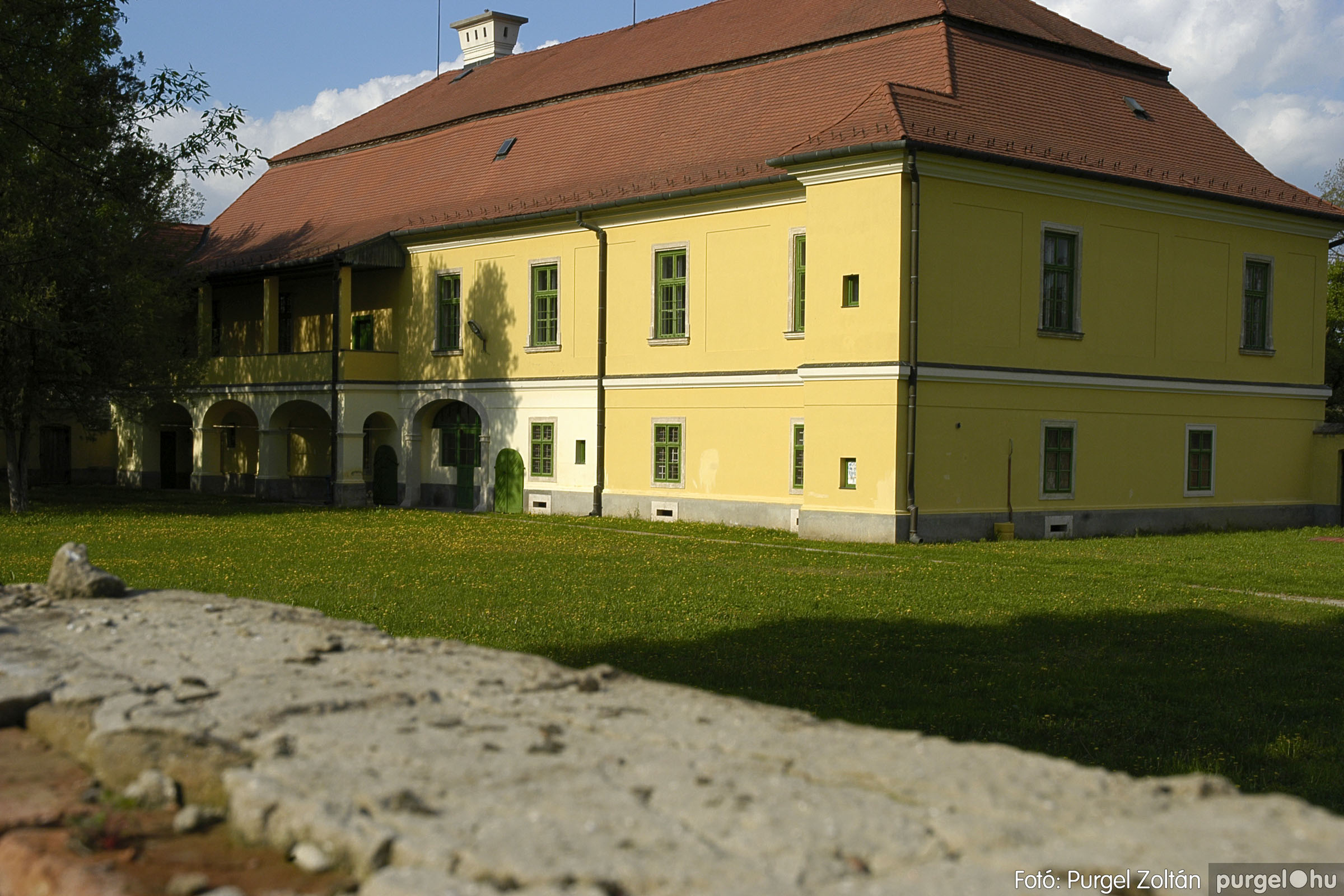 2005.04.28. 028 Tavaszi körkép: szélmalom, kastély, piactér, Kórógy-tó - Fotó:PURGEL ZOLTÁN© DSC_0071q.jpg