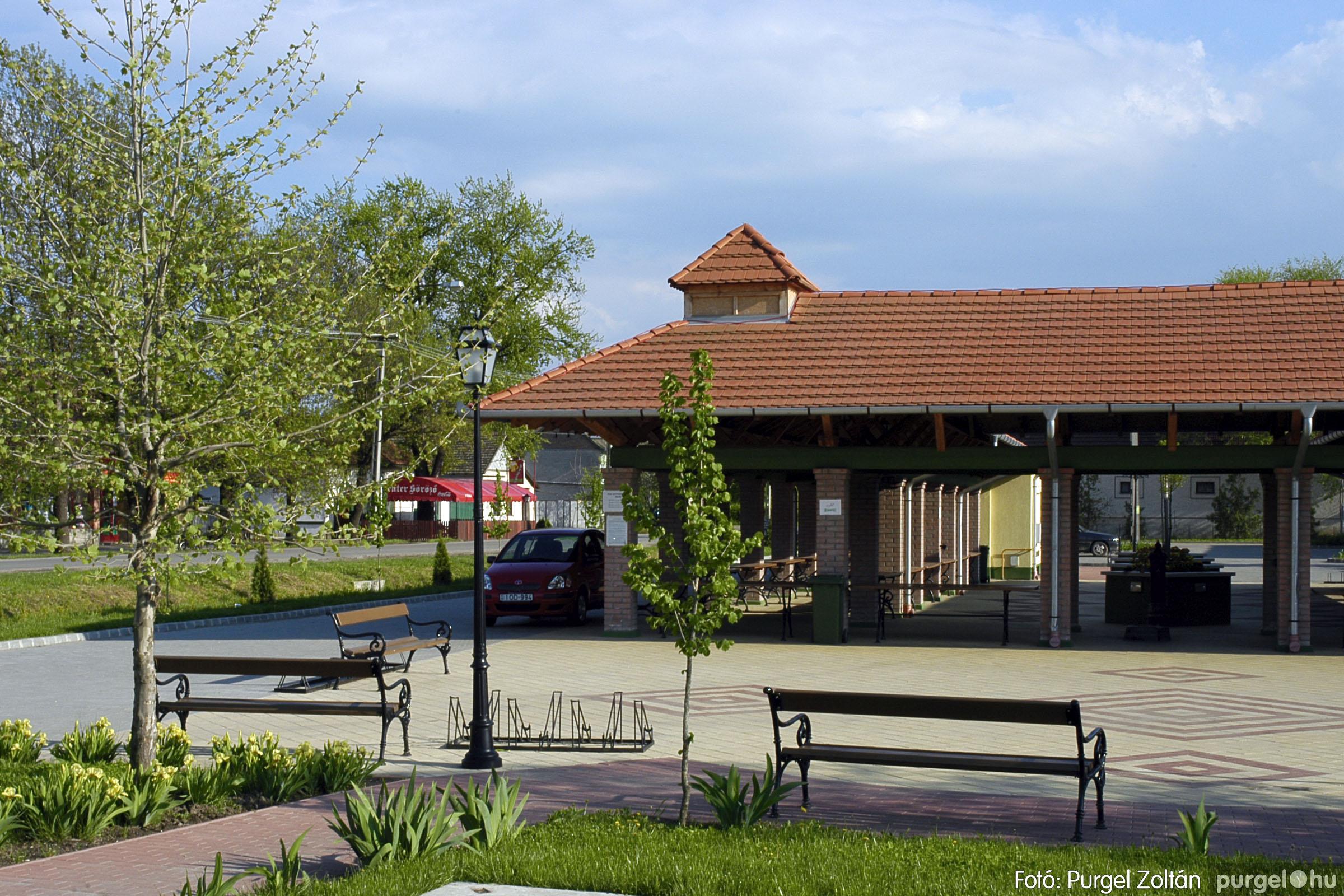 2005.04.28. 041 Tavaszi körkép: szélmalom, kastély, piactér, Kórógy-tó - Fotó:PURGEL ZOLTÁN© DSC_0089q.jpg