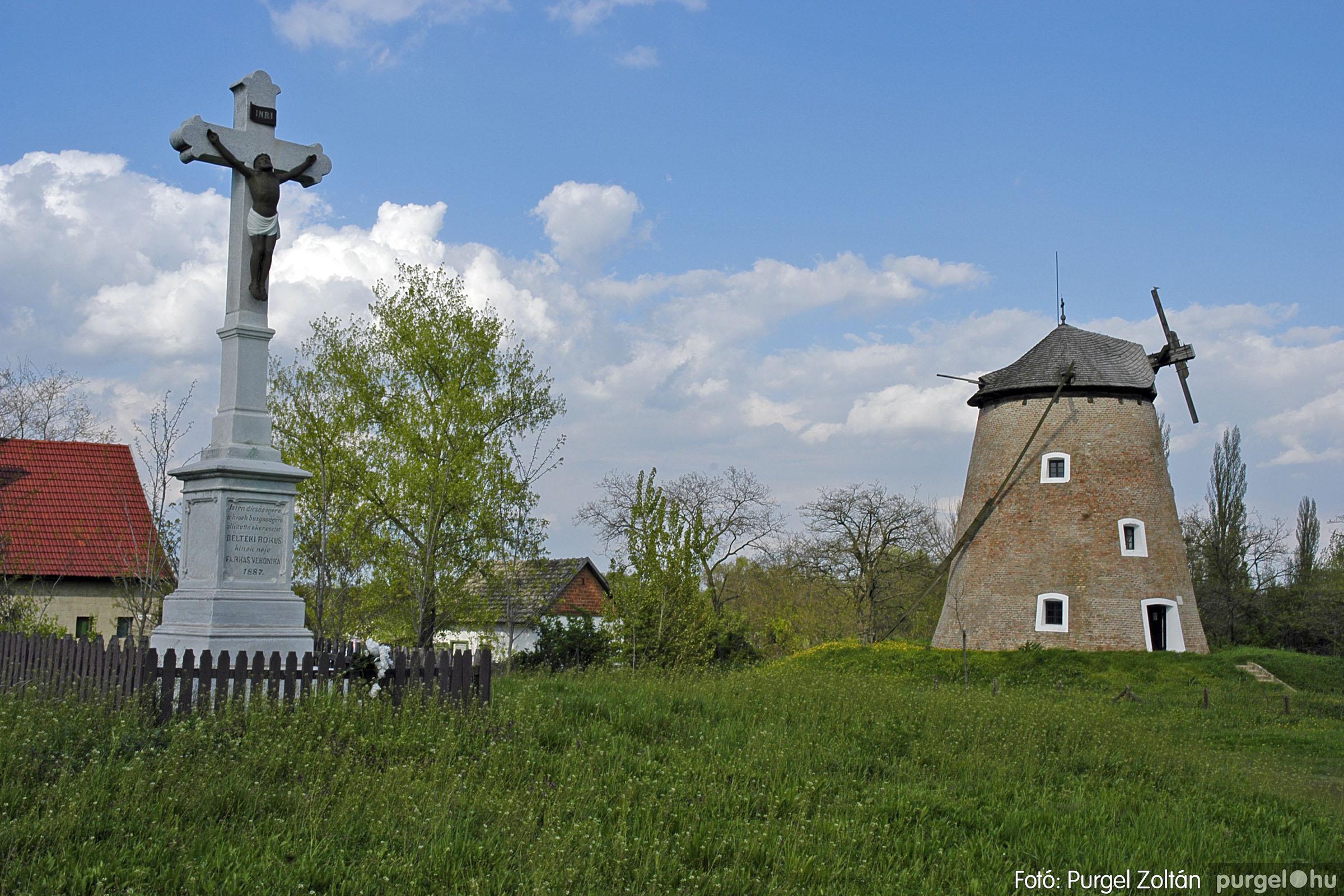 2005.04.28. 020 Tavaszi körkép: szélmalom, kastély, piactér, Kórógy-tó - Fotó:PURGEL ZOLTÁN© DSC_0058q.jpg