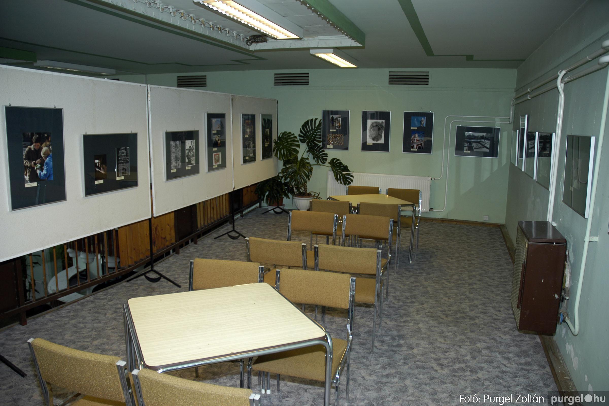 2005.05.03. 003 Hétköznapok fotópályázat kiállítása Mindszenten - Fotó:PURGEL ZOLTÁN© DSC_0003q.jpg