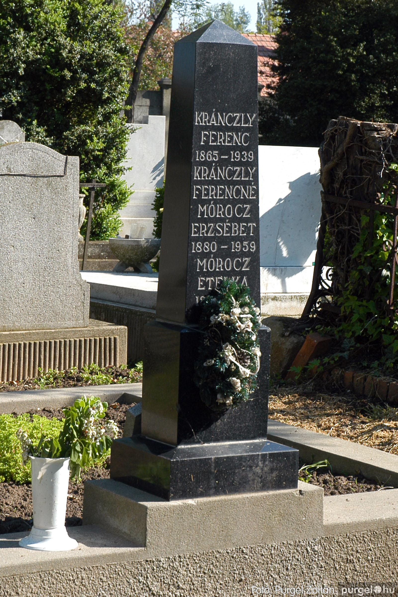 2005.05.12. 016 Barangolás a szegvári temetőben - Fotó:PURGEL ZOLTÁN© DSC_0019q.jpg