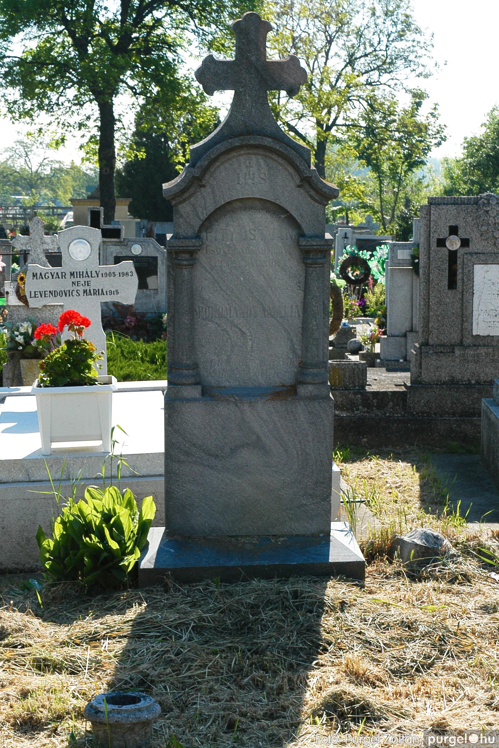 2005.05.12. 006 Barangolás a szegvári temetőben - Fotó:PURGEL ZOLTÁN© DSC_0006q.jpg