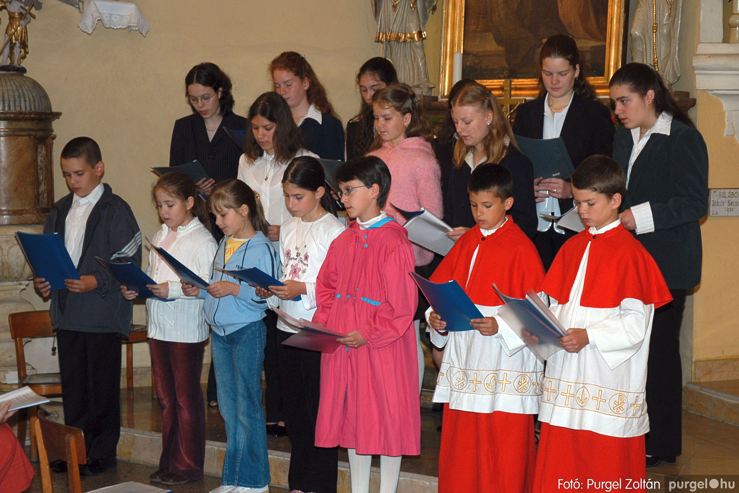 2005.05.15. 009 Kisboldogasszony templom bérmálkozás - Fotó:PURGEL ZOLTÁN© DSC_0011q.jpg