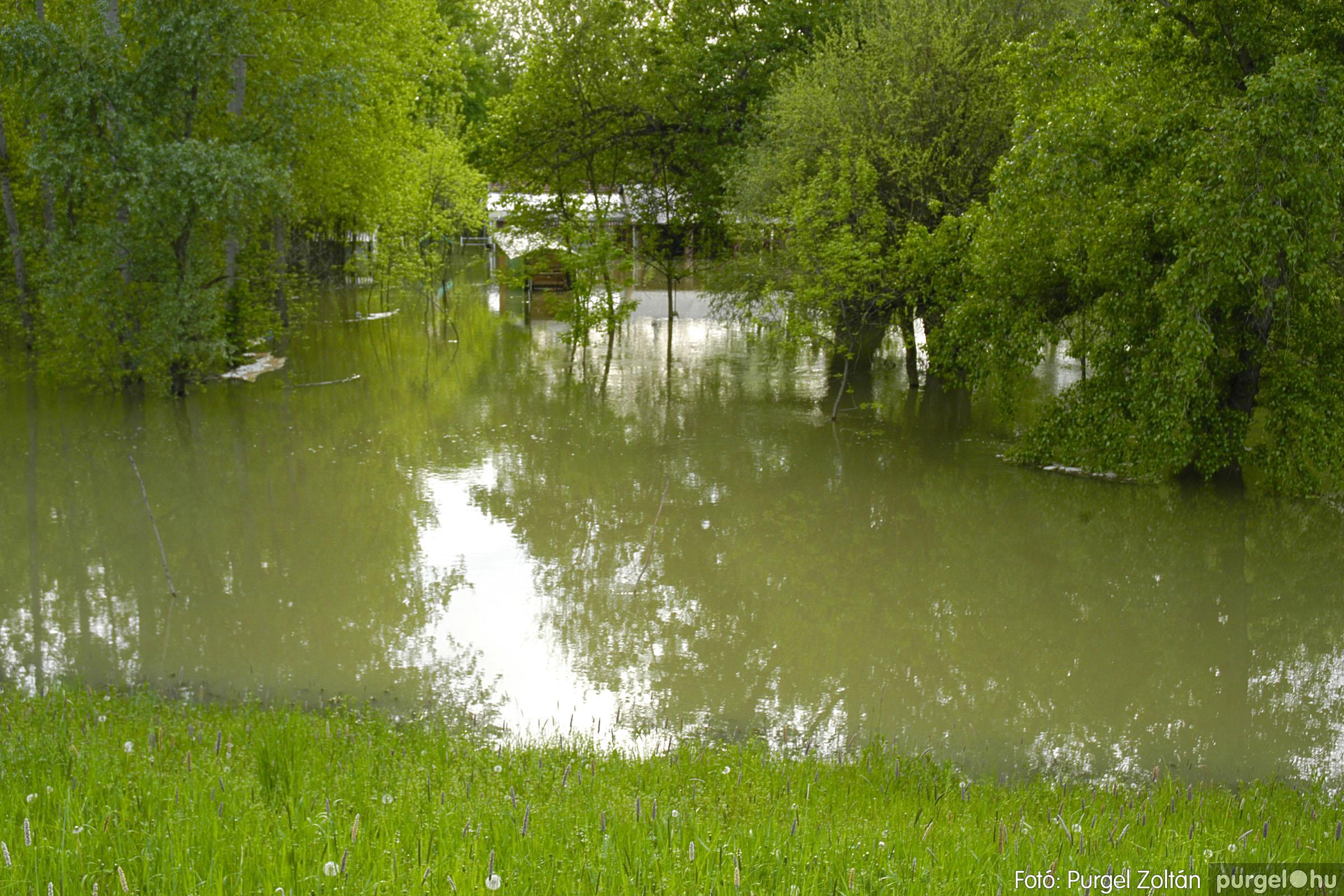 2005.05.03. 016 Árvízhelyzet Mindszenten - Fotó:PURGEL ZOLTÁN© DSC_0031q.jpg